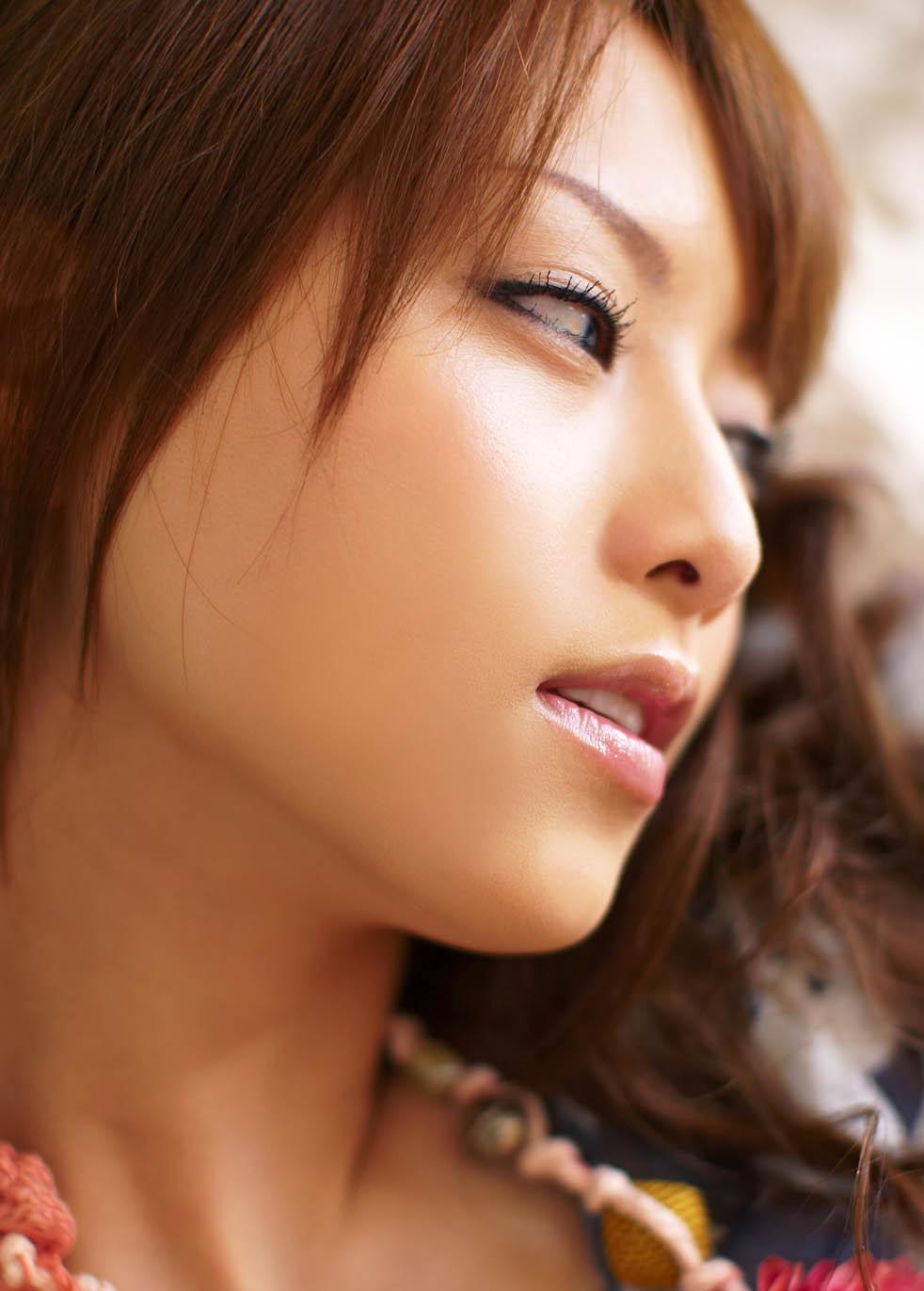 Akiho Yoshizawa Nude Photos 4