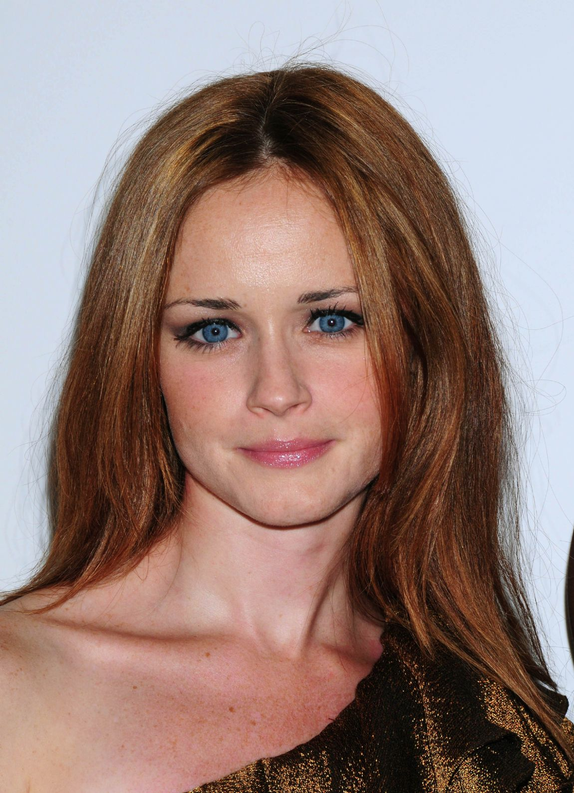 Hair Style Trends Makeup for Virgo Women Alexis Bledel-12