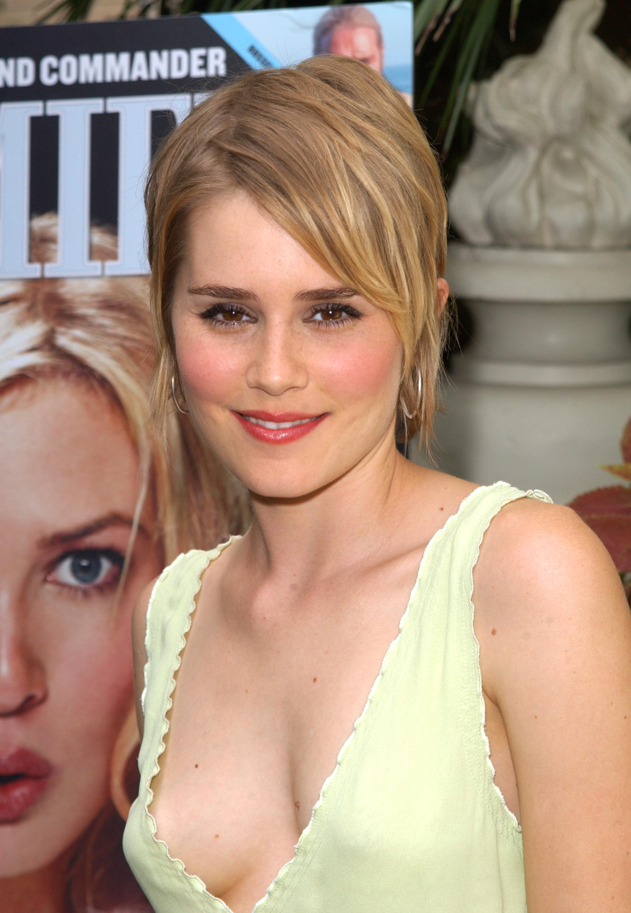 alison lohman dating It stars sons of anarchy's kim coates as the unstoppable titular officer and features a cast that includes alison lohman (drag me to hell) and lauren vélez and start writing new music – because we want to write, crahan adds – and they'll leave the date they actually go back into the studio up in the air.