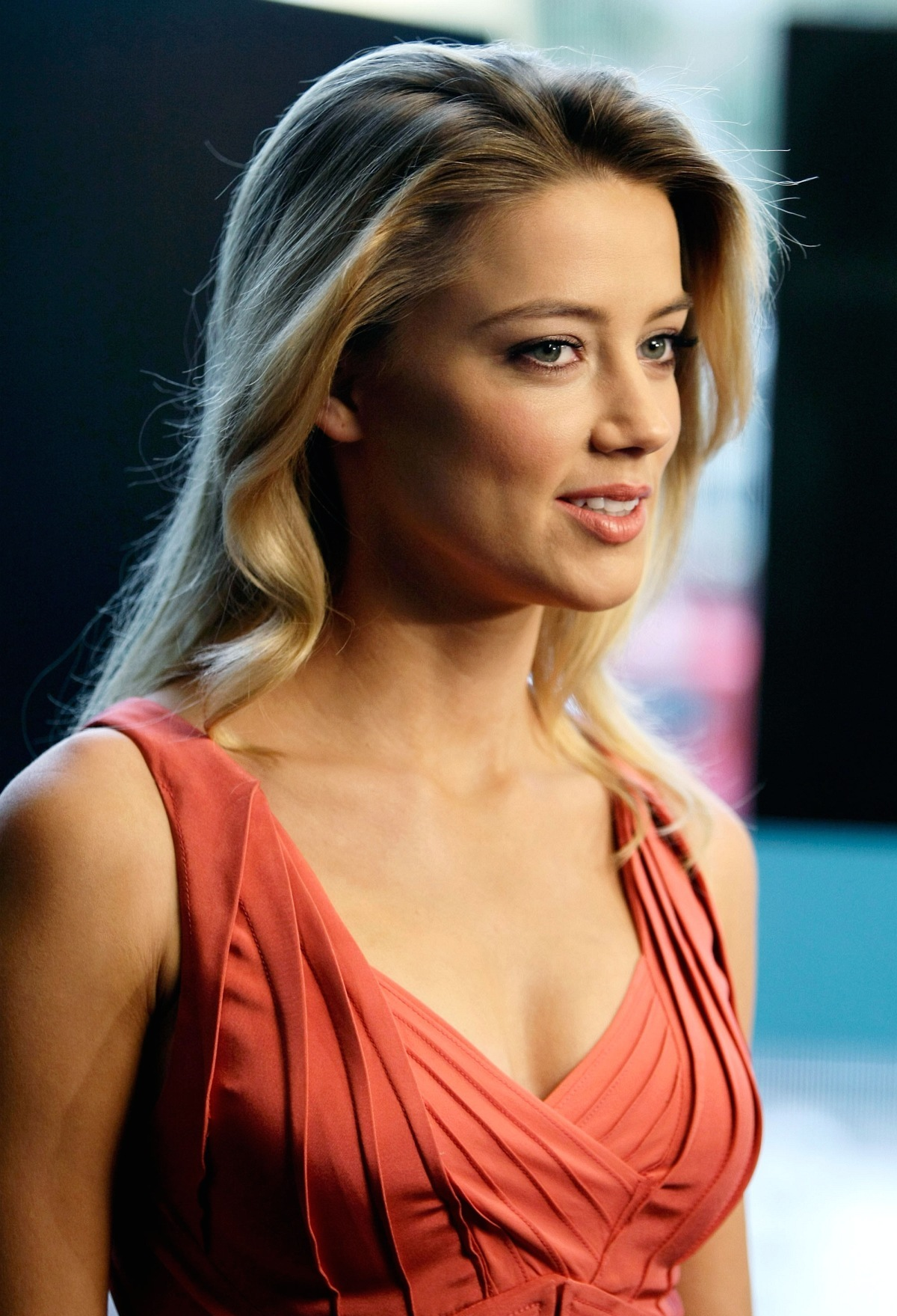 Amber heard and gallery Amber Heard Photo Gallery and Forum - m