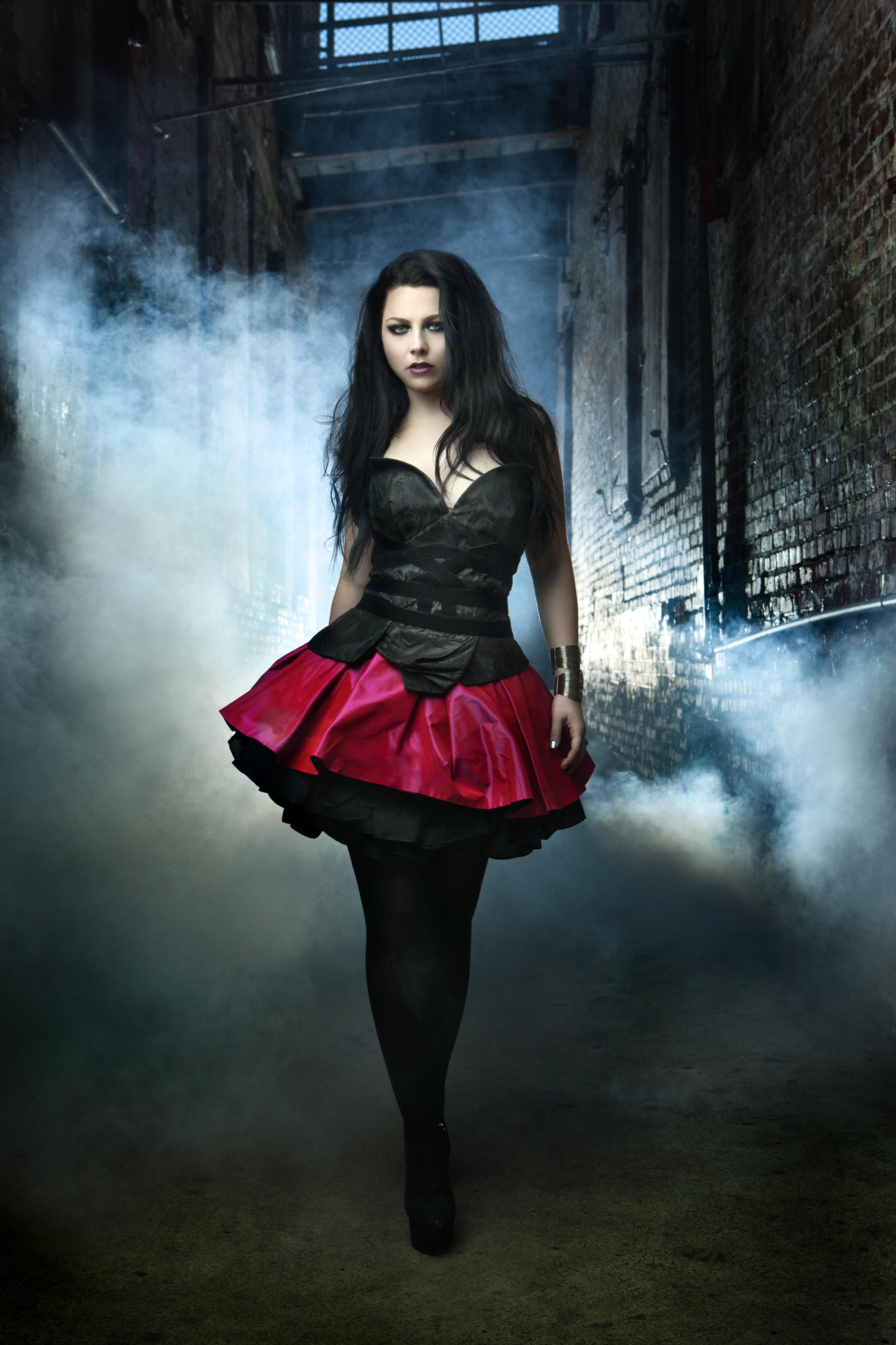from Noel hot sexy pictures of amy lee