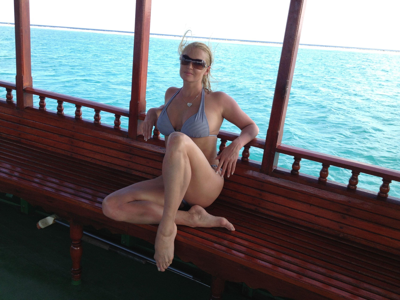 golaya-anastasiya-volochkova-na-maldivah-vse-foto