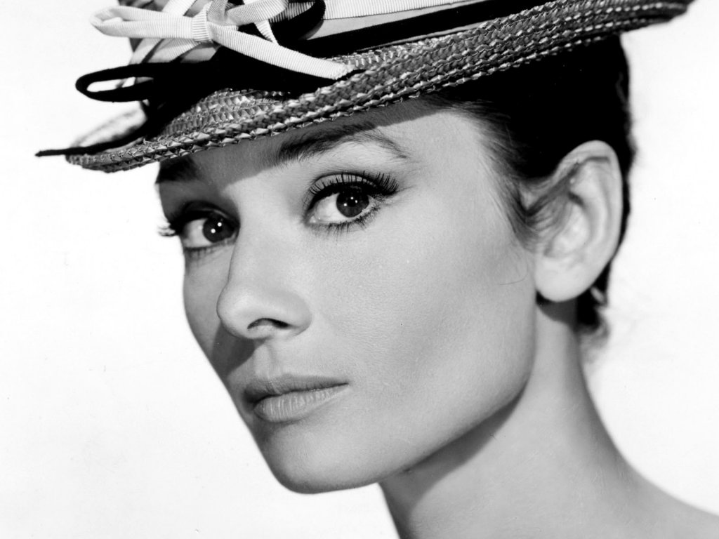 Audrey Hepburn photo gallery - high quality pics of Audrey ...