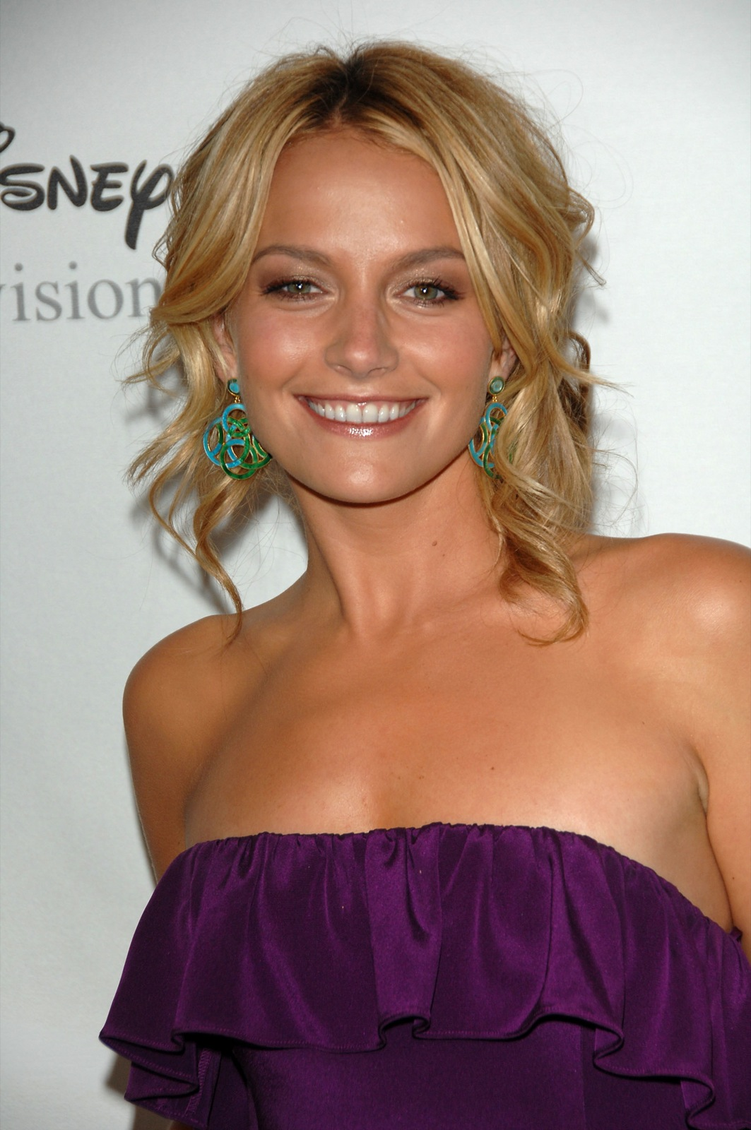 Nackte Becki Newton in Alles Betty! ANCENSORED