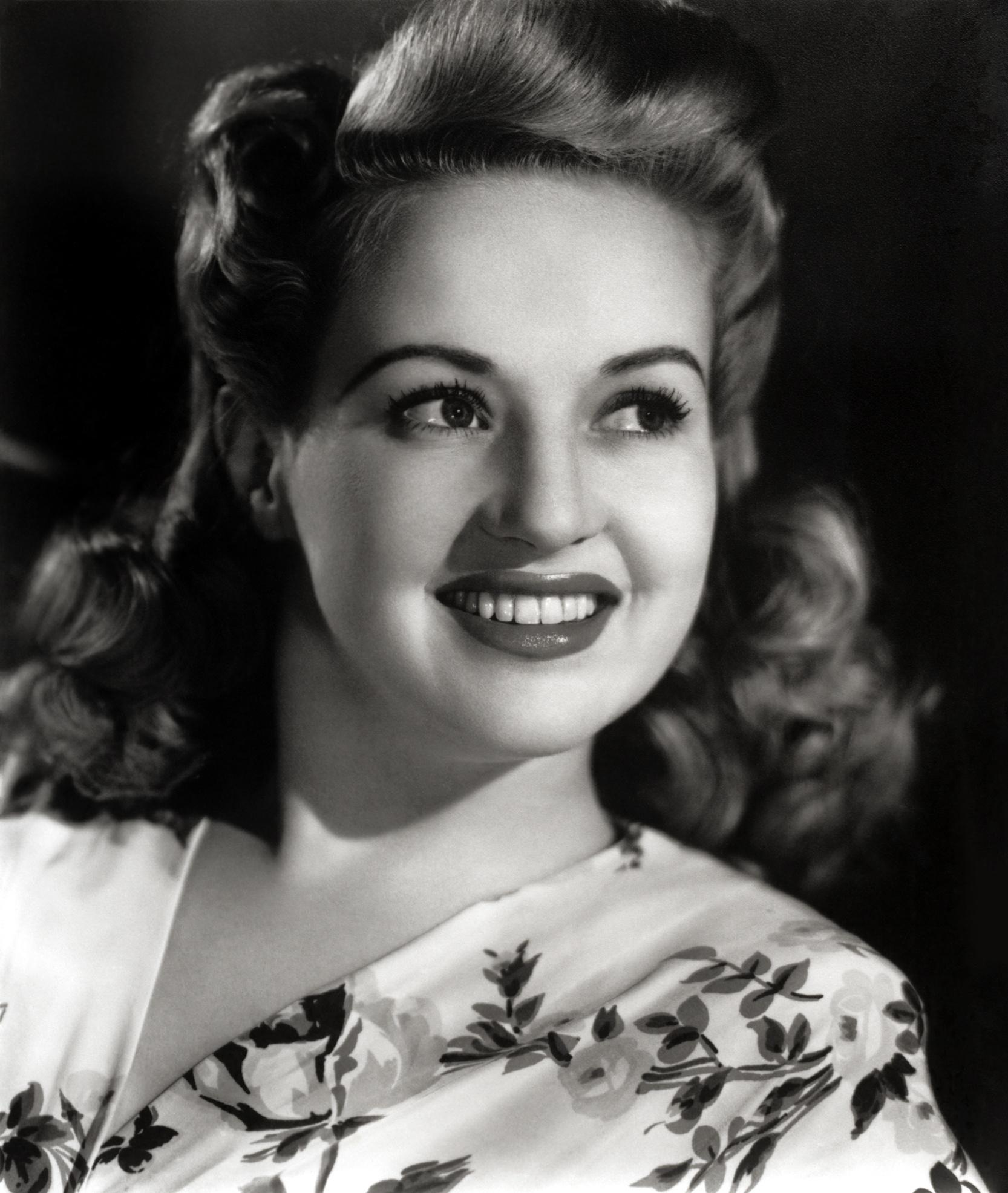 Betty Grable Photo 25 Of 35 Pics Wallpaper Photo