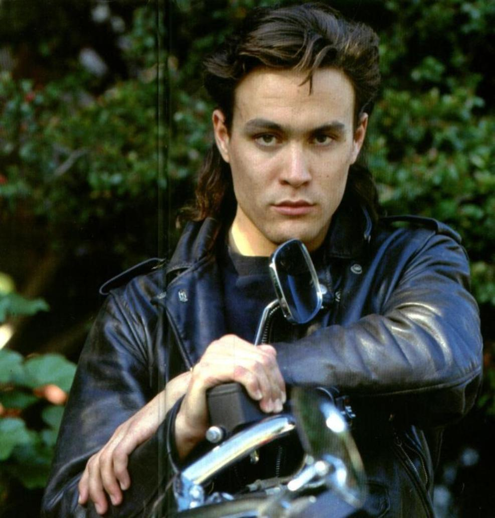 Brandon Lee Photo 5 Of 6 Pics Wallpaper Photo 628229 Theplace2