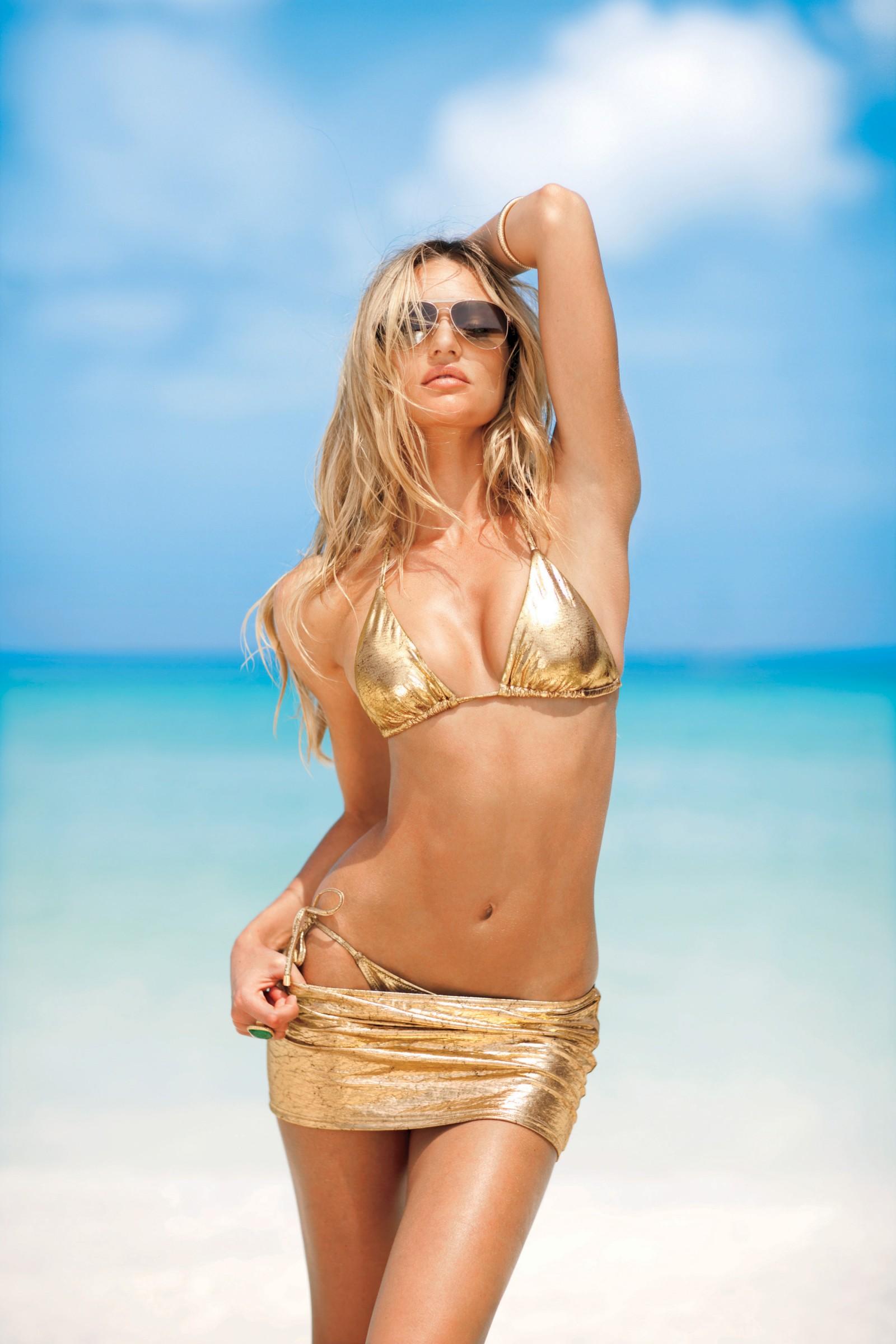 hardcore anal penetration for the blonde in golden bikini  376420