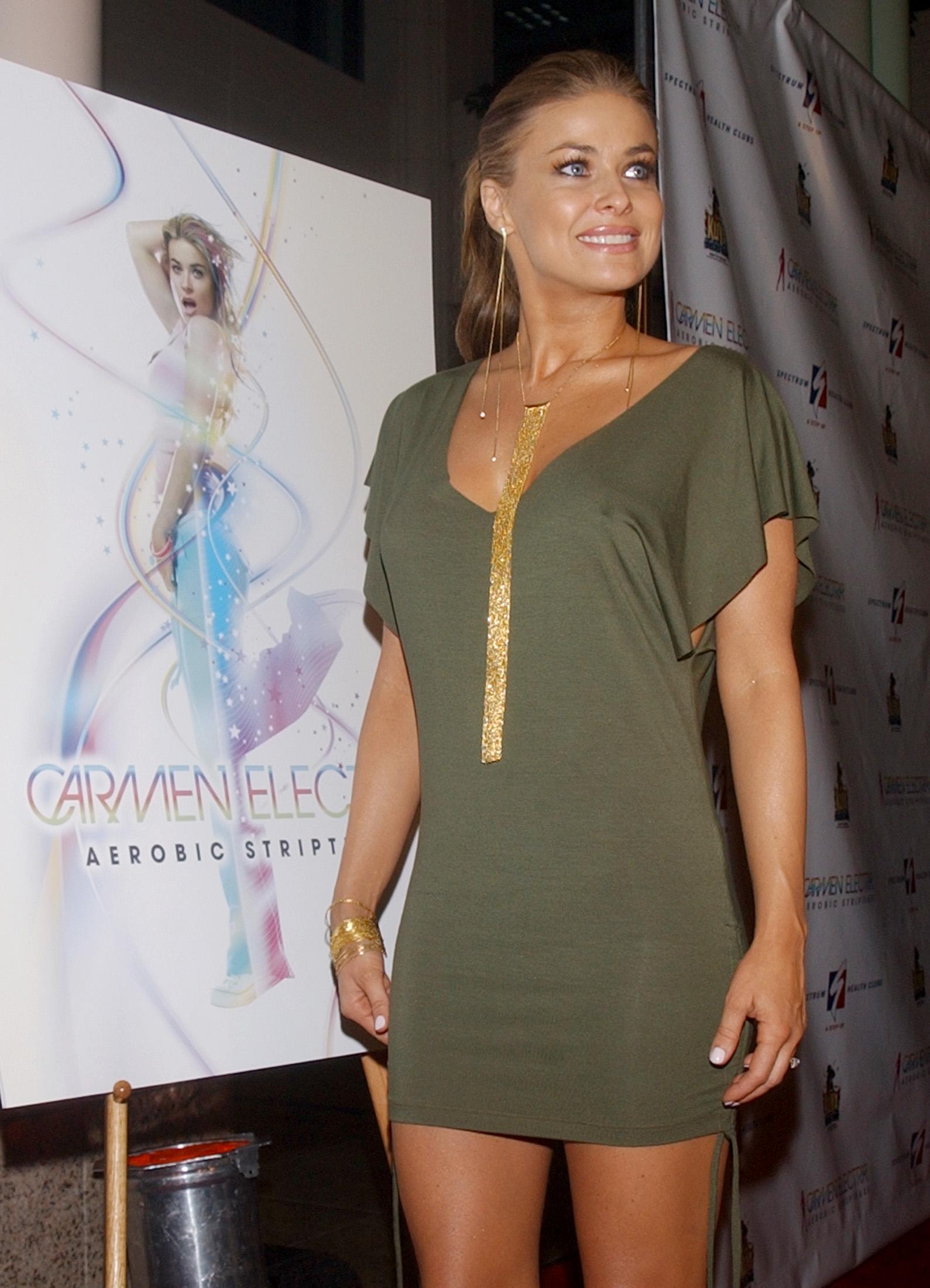 54 - Carmen Electra