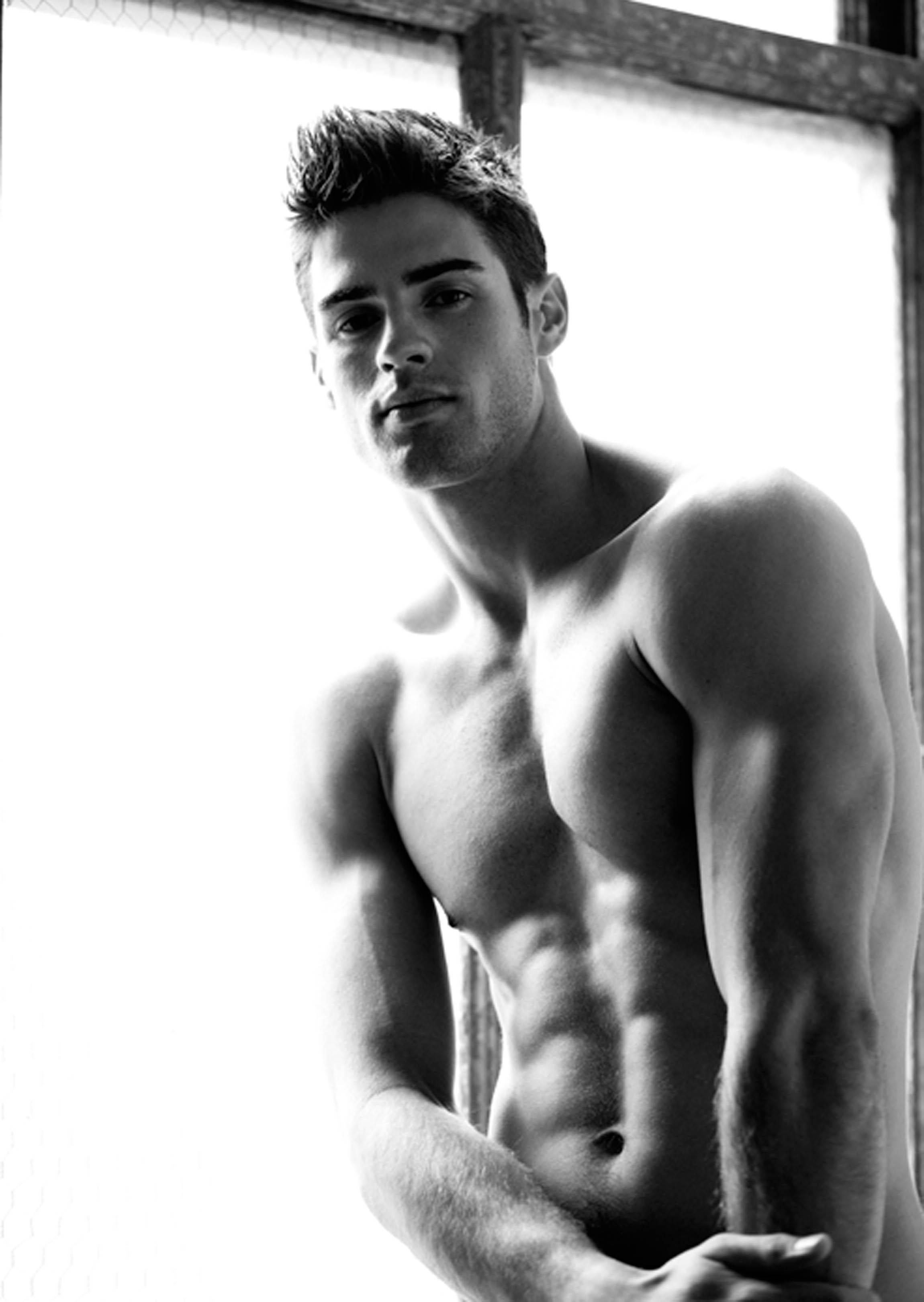 Фото мужчин моделей обнаженных