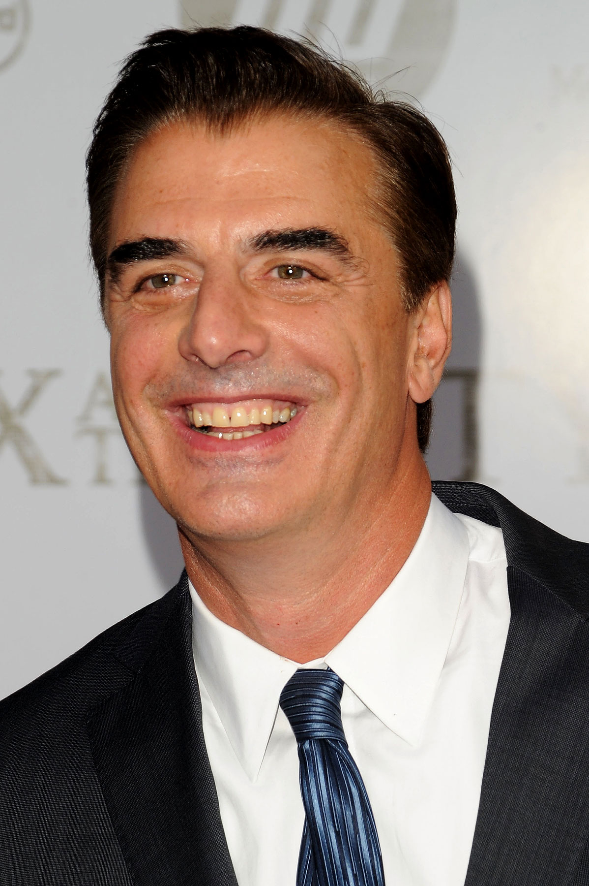 The 62-year old son of father Charles J. Noth and mother Jeanne Parr, 185 cm tall Chris Noth in 2017 photo