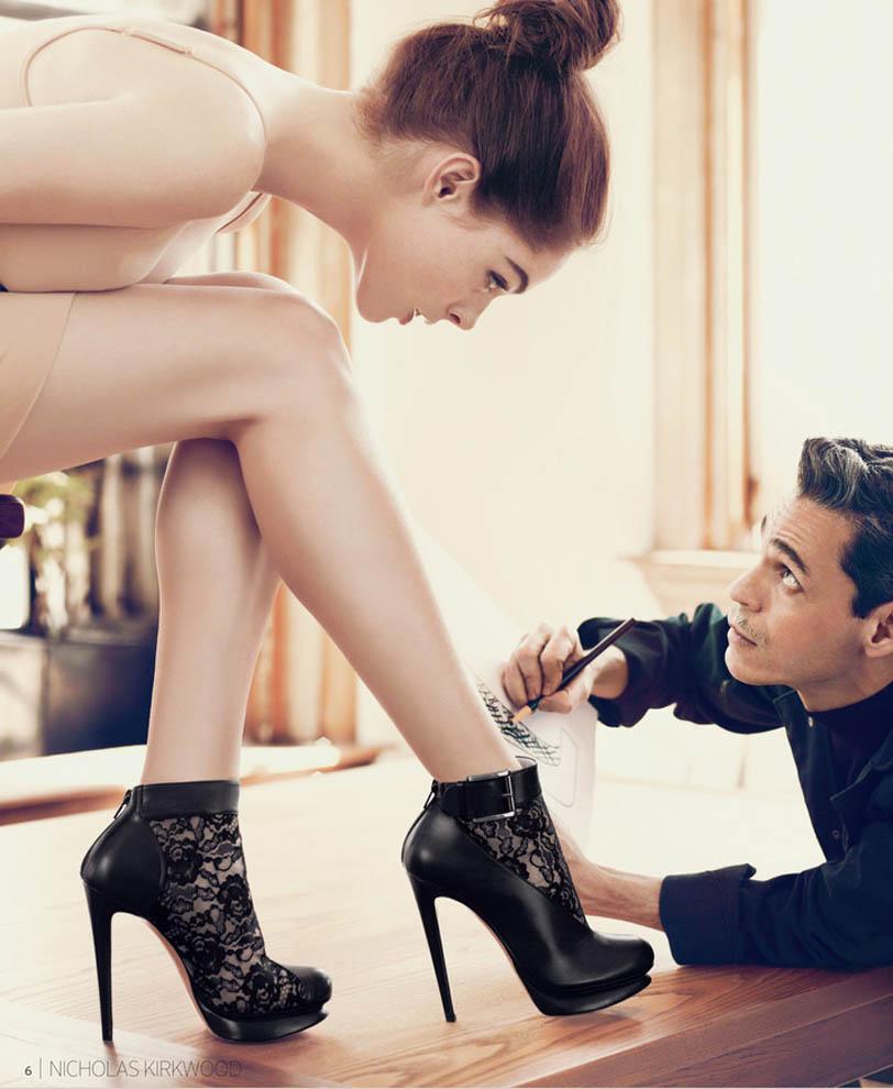 Целовать туфли девушки 12 фотография