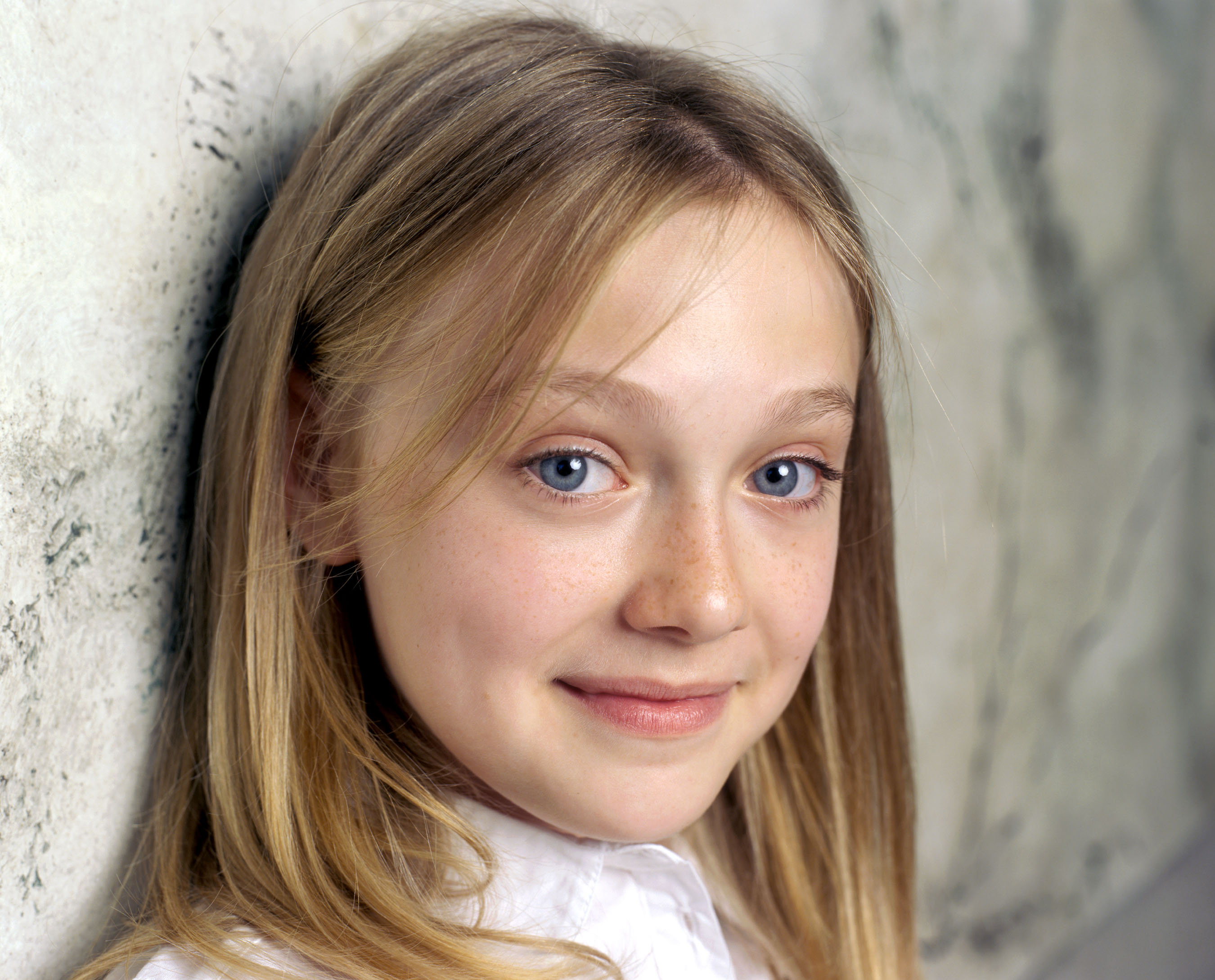 celebrity photos dakota fanning dakota fanning photo 94 1 vote Dakota Fanning