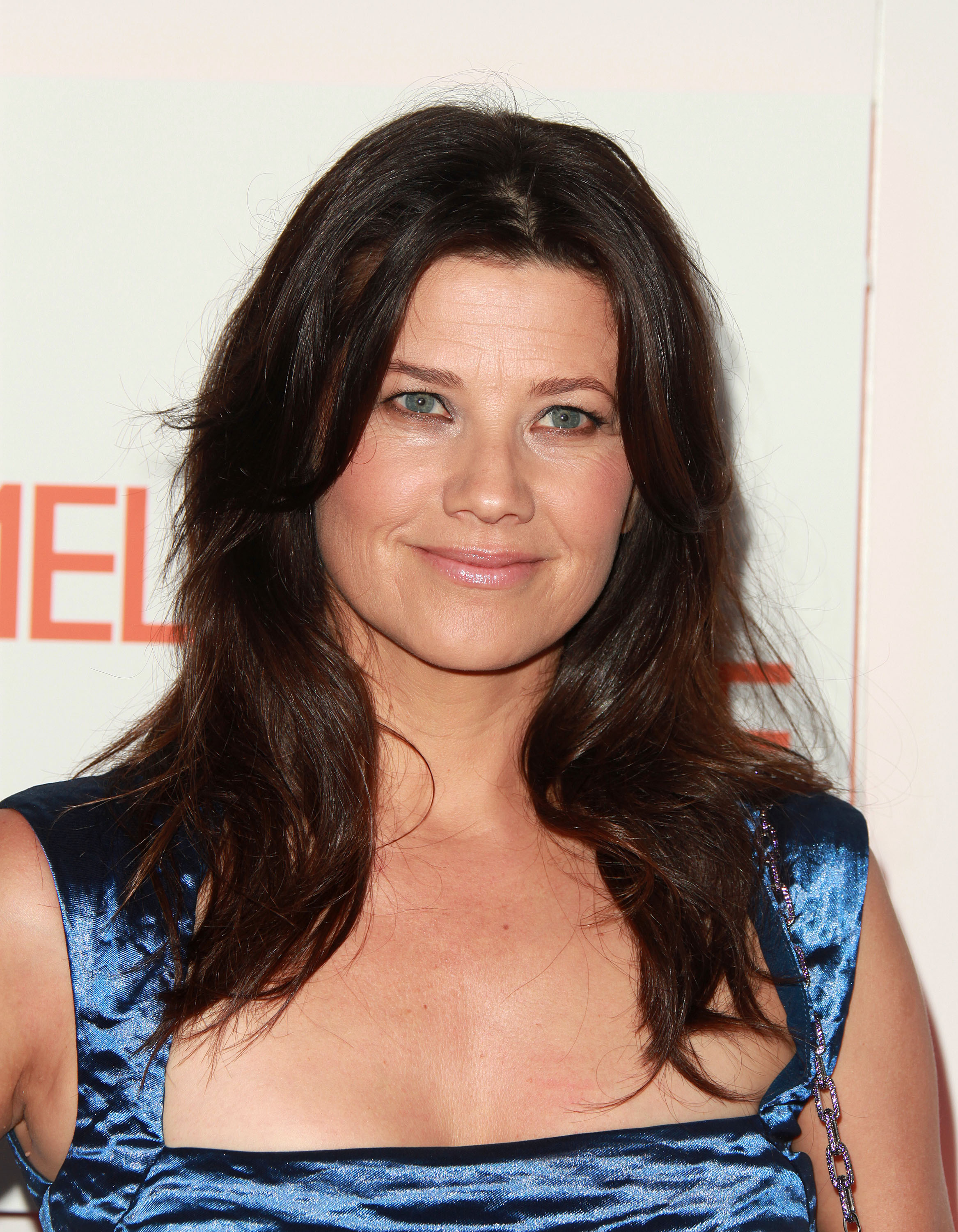 Daphne Zuniga - Photo Actress