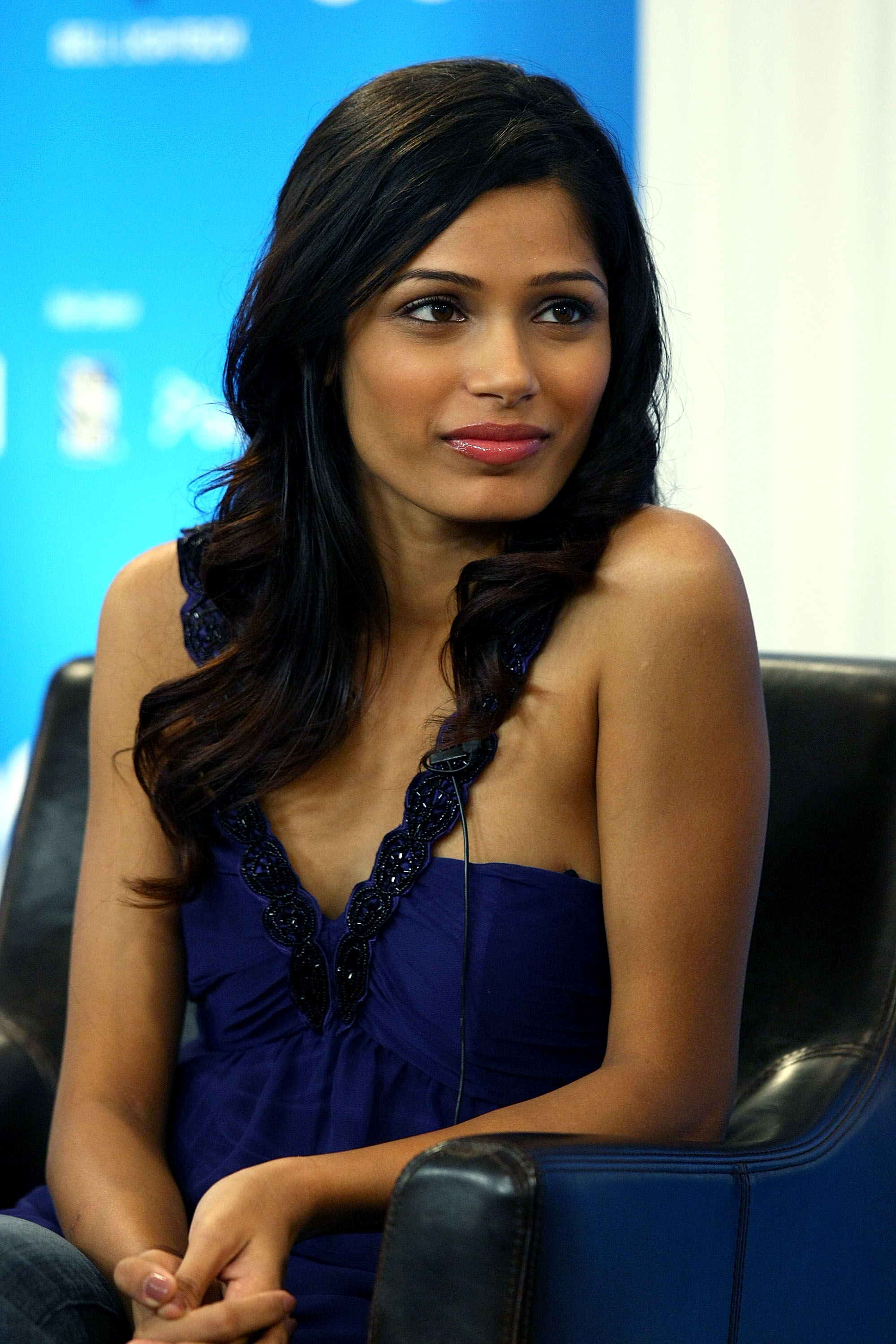 Freida Pinto photo 7 of 729 pics, wallpaper - photo ... Freida Pinto