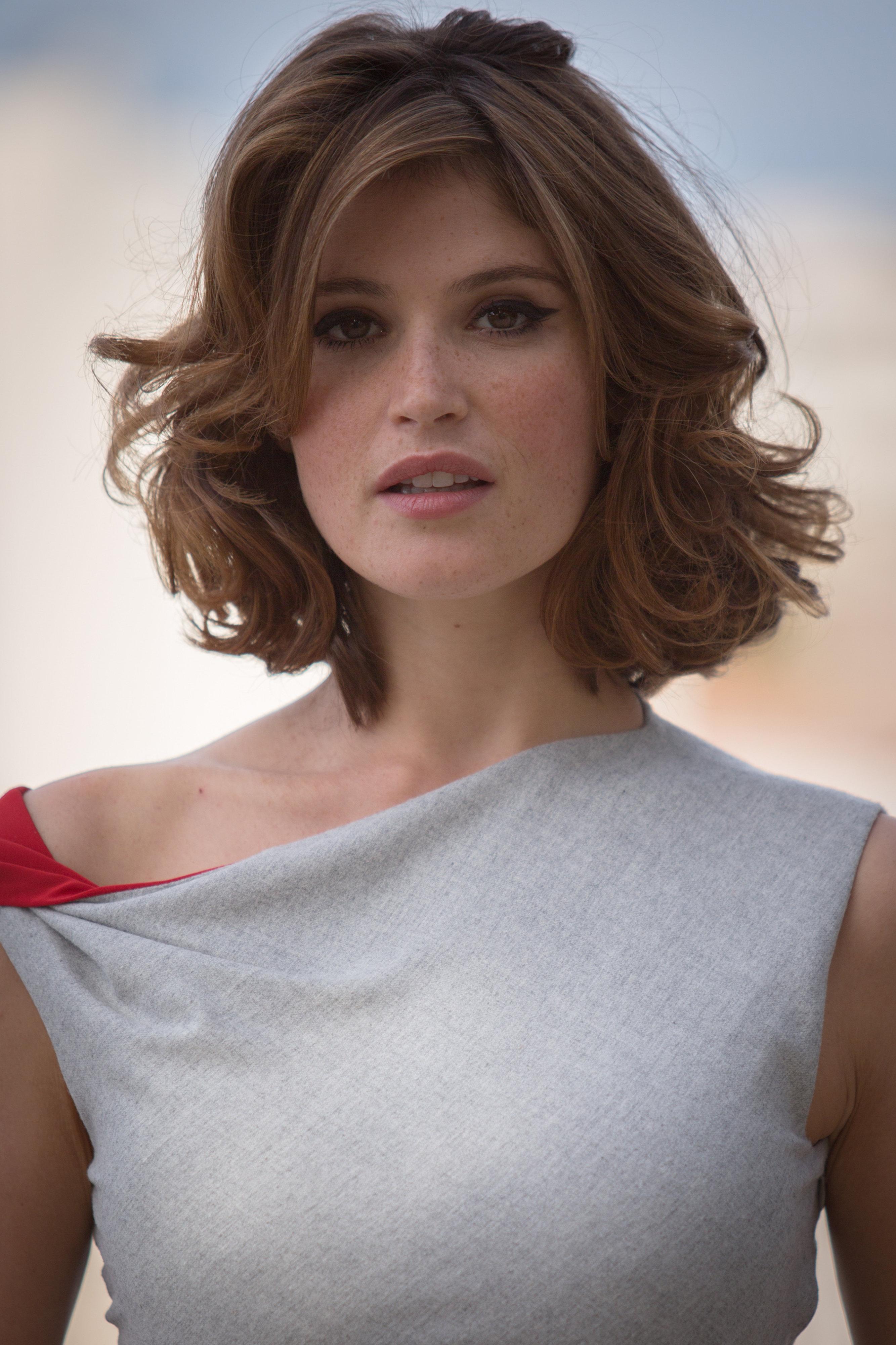 Celebrity short hairstyles emma watson