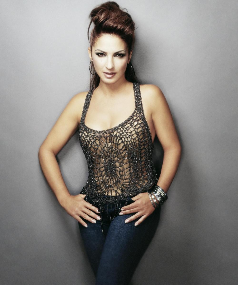 Gloria Estefan photo gallery - 20 high quality pics of Gloria Estefan ...