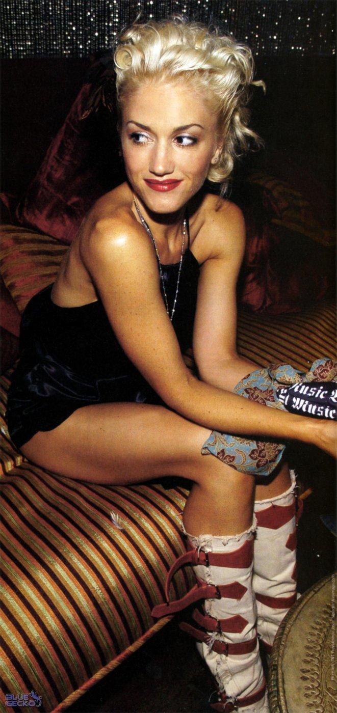 1071 - Gwen Stefani