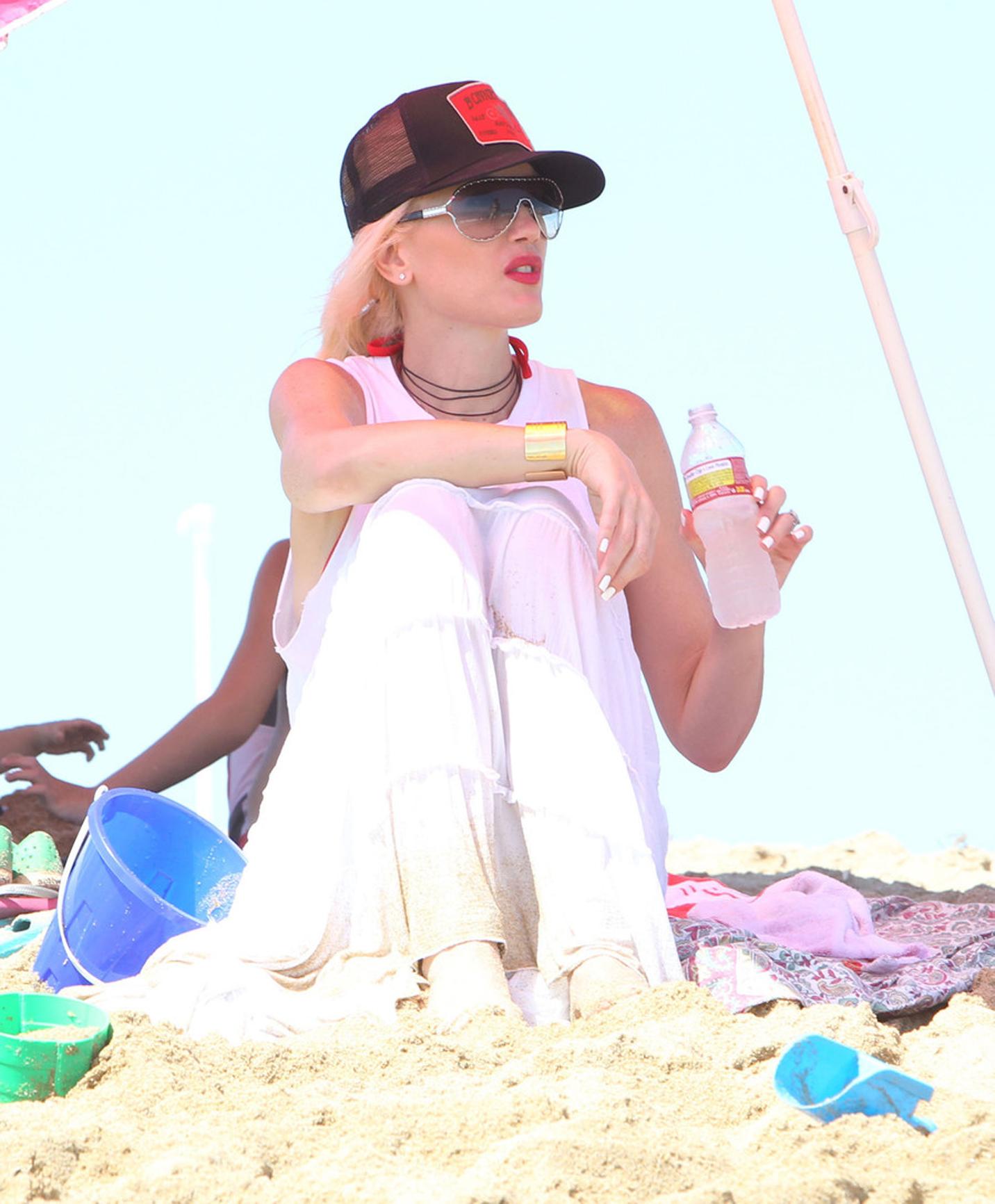 www bruce juice com  492 - Gwen Stefani