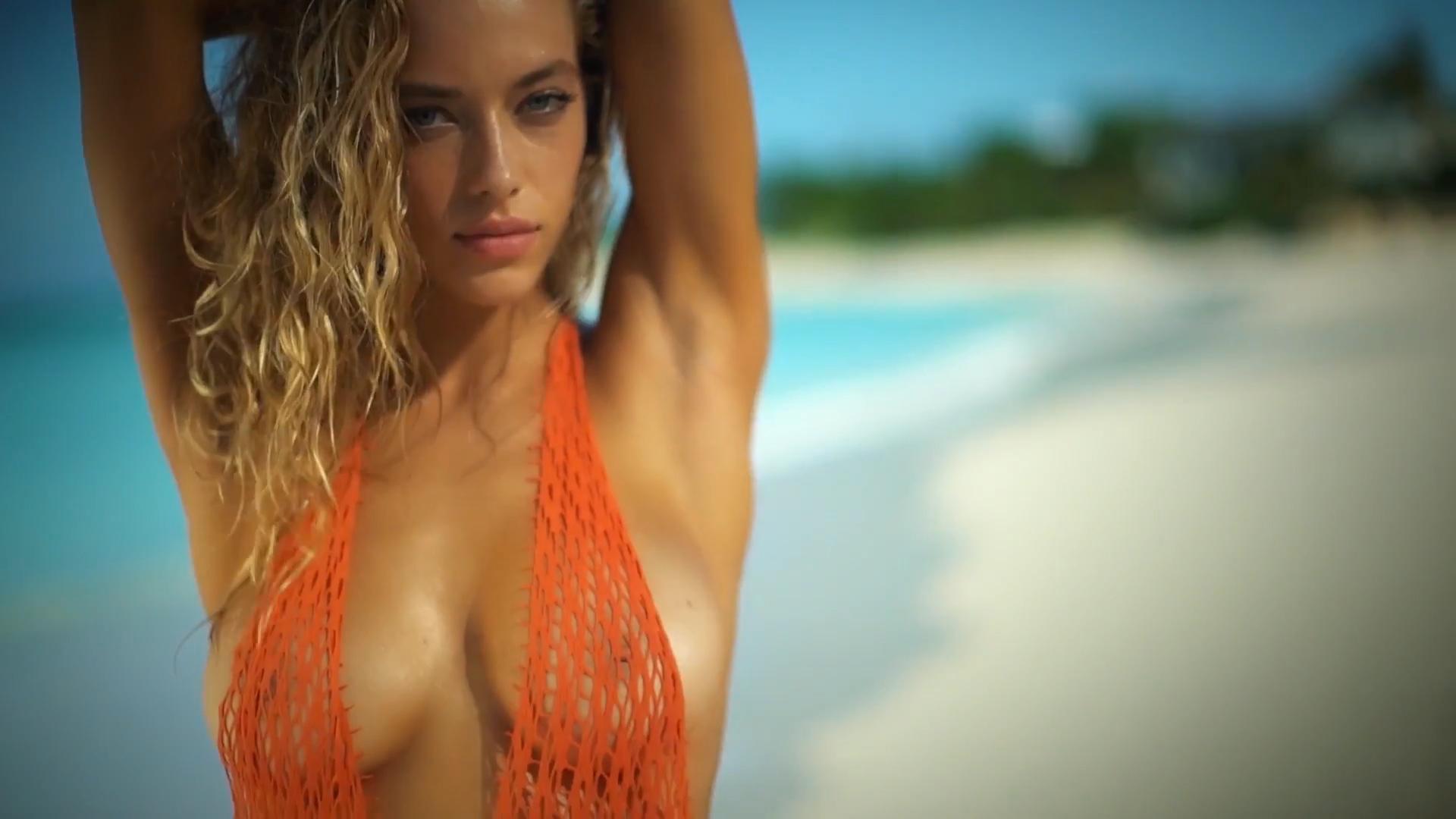 Faye Taylor naked