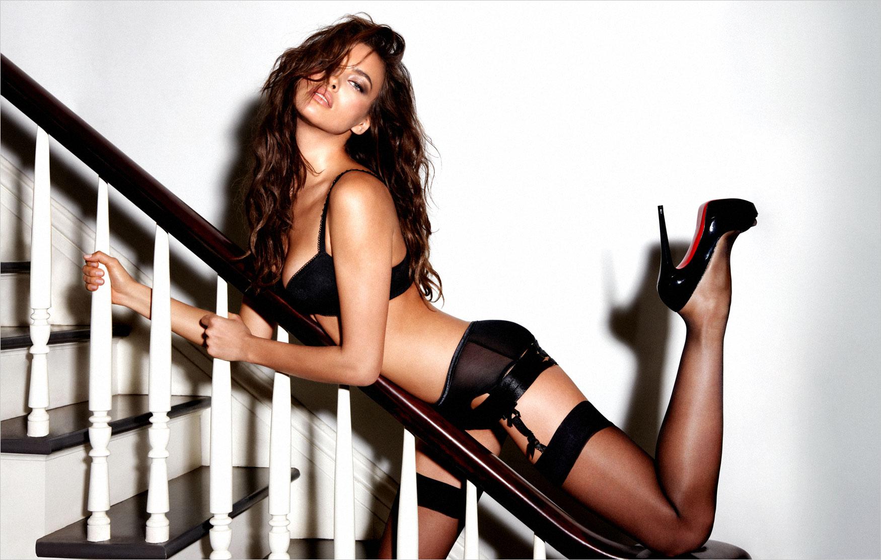 Фото сексуални девушки с чулки каблуки 18 фотография