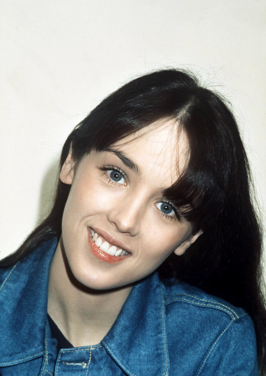 Isabelle Adjani photo gallery - 213 high quality pics of Isabelle ...: www.theplace2.ru/photos/Isabelle-Adjani-md344