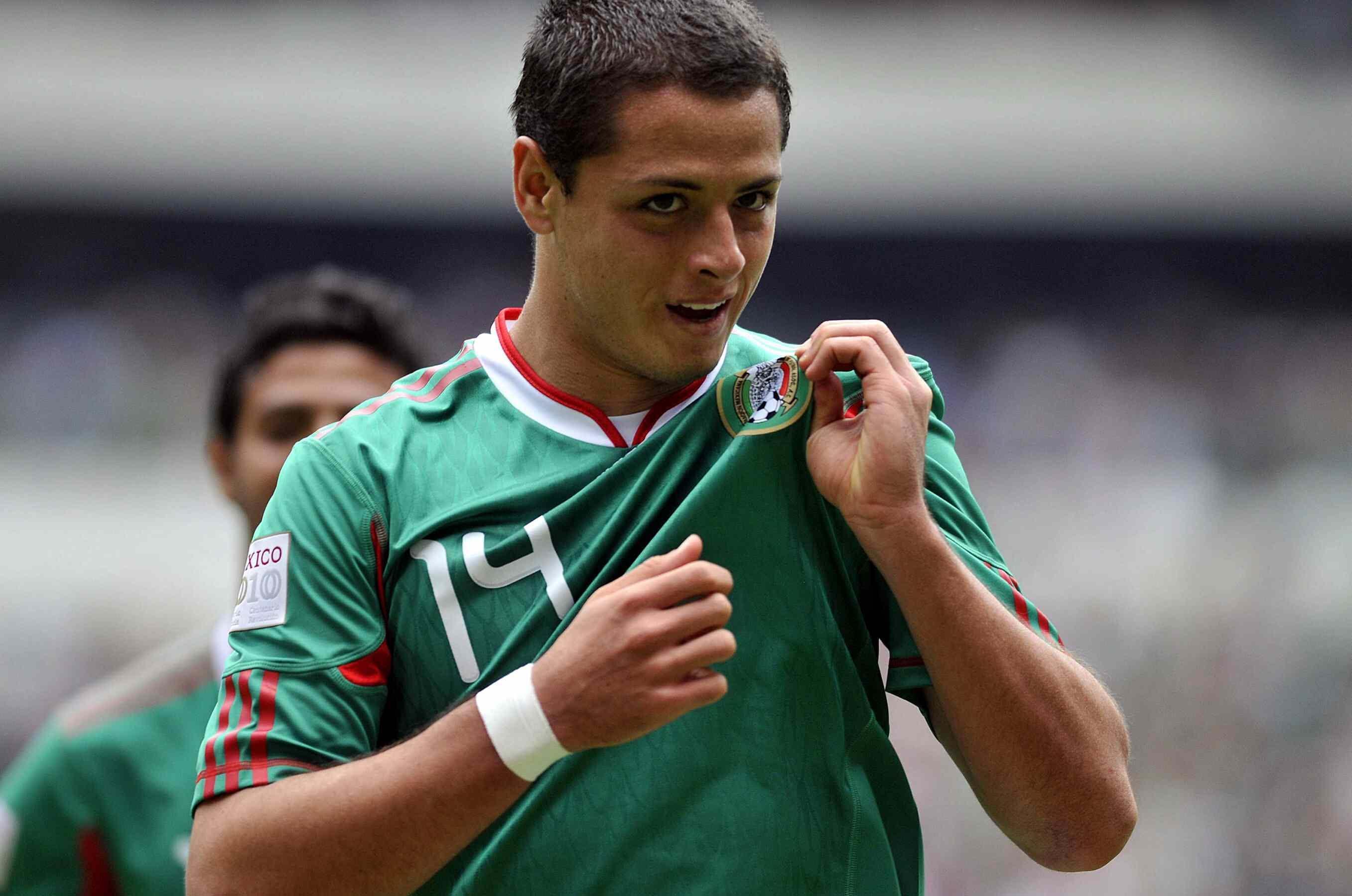 Javier Hernandez photo gallery - high quality pics of ...