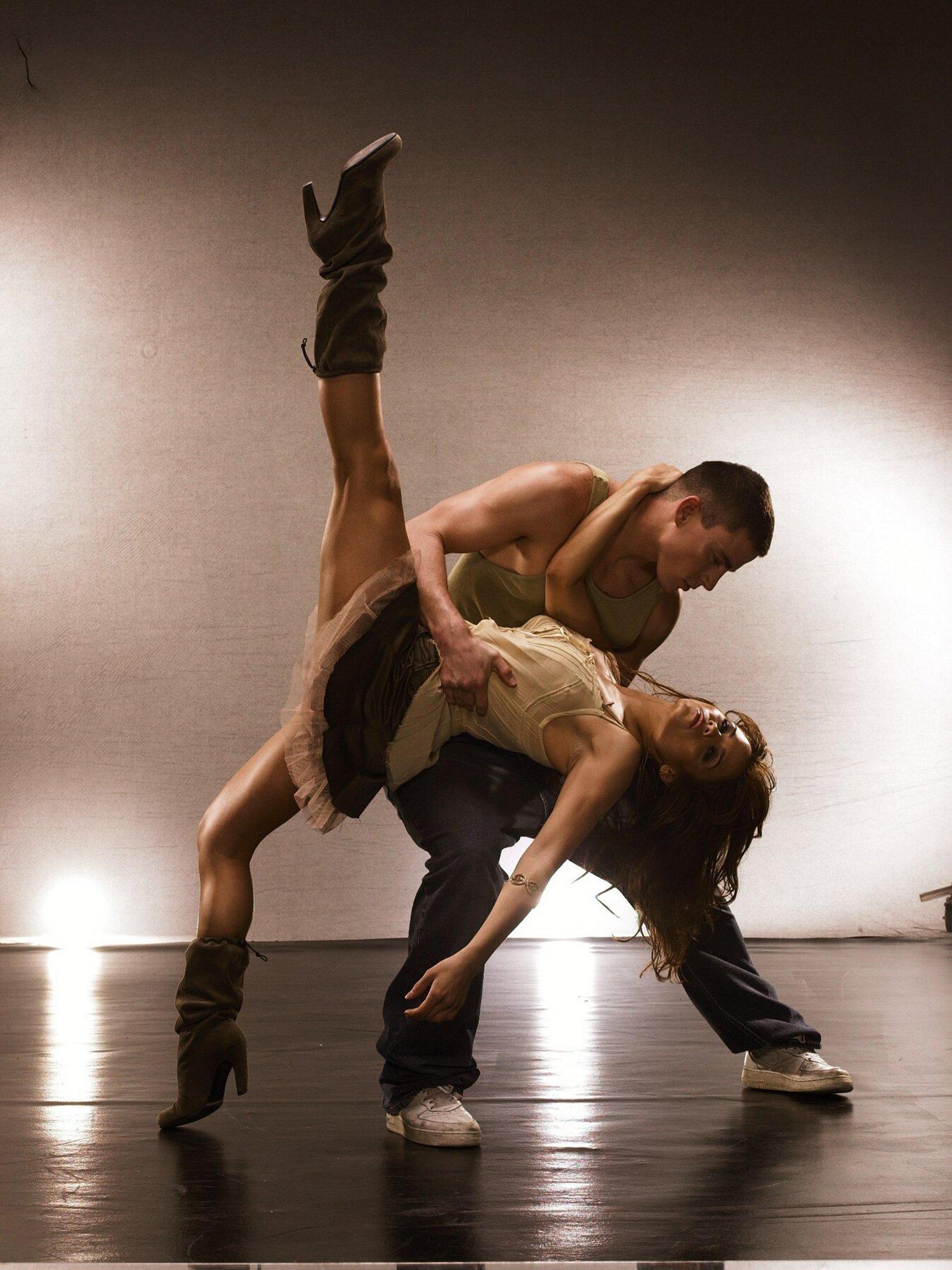 Видео танцовщицу самбо в анал смотреть онлайн фотоография