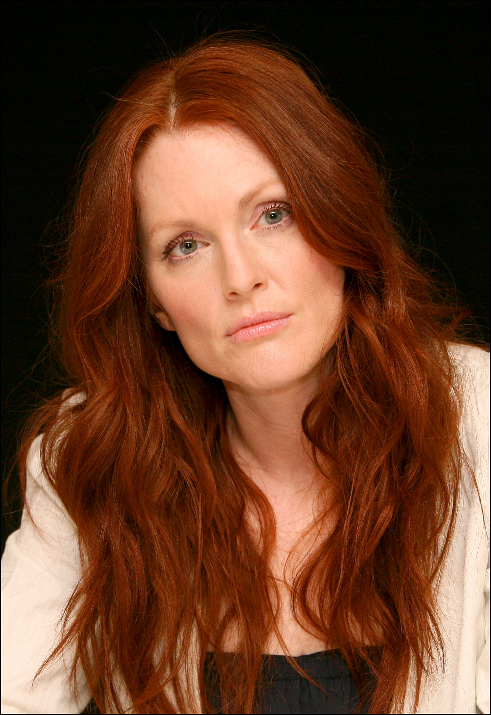 Julianne Moore photo, pics, wallpaper - photo #238224