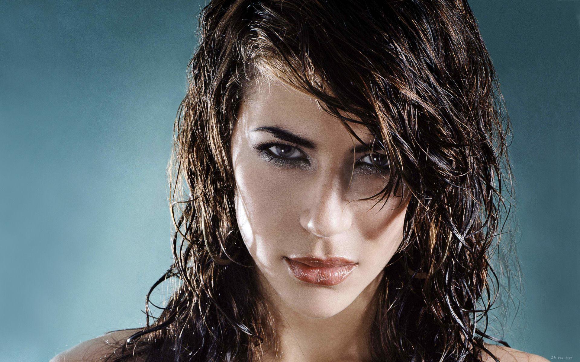 Как сделать фото с мокрыми волосами