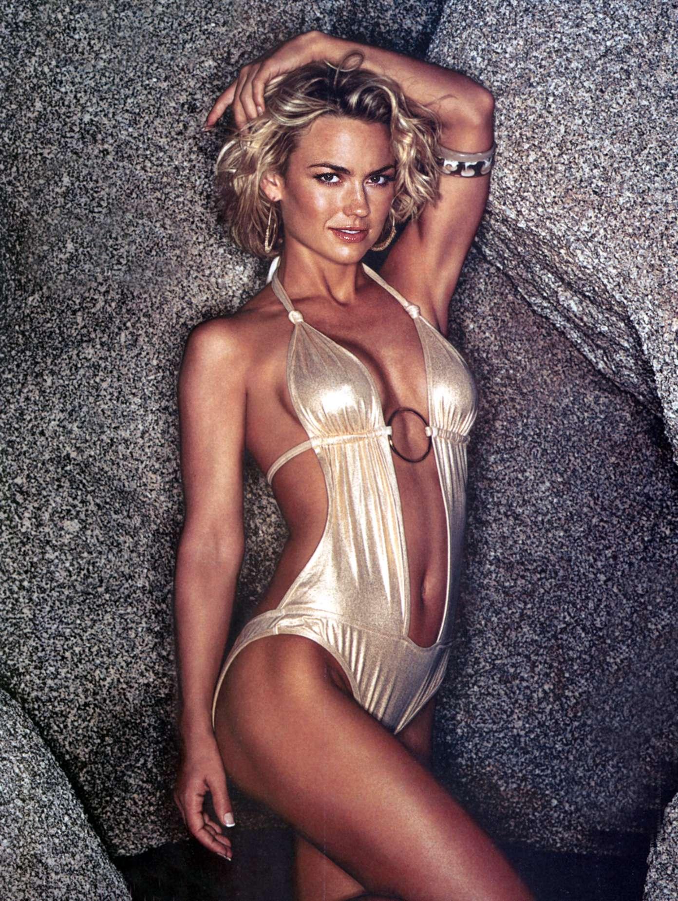 Could kelly carlson nude photos love ladyboys