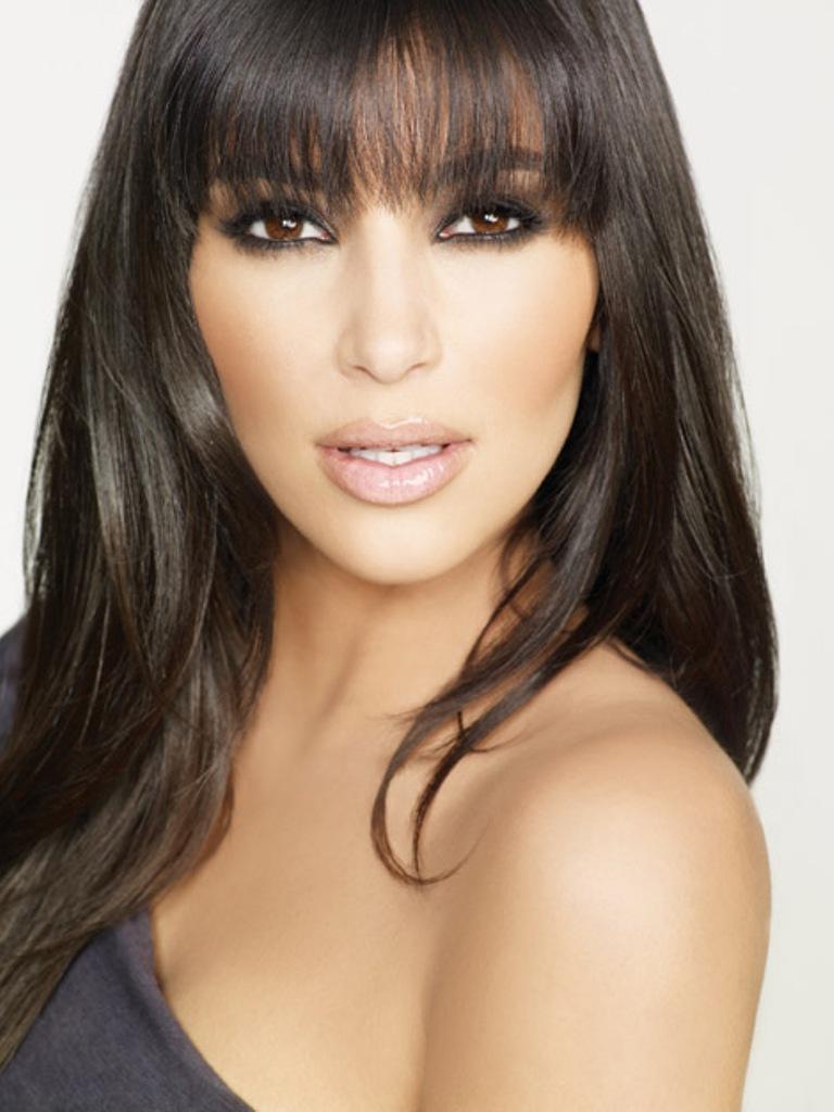 http://www.theplace2.ru/archive/kim_kardashian/img/Kim_Kardashian_b04.jpg