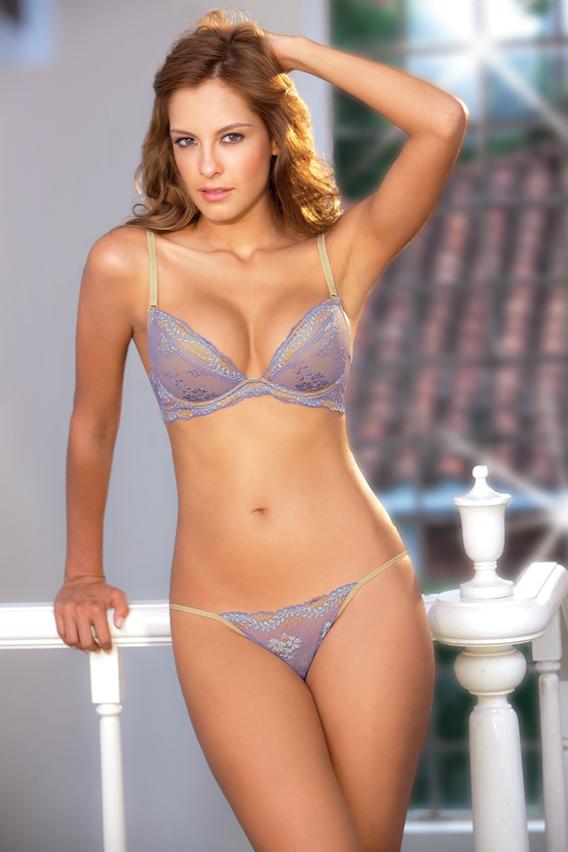 Laura Acuna photo gallery - 22 high quality pics of Laura Acuna ...