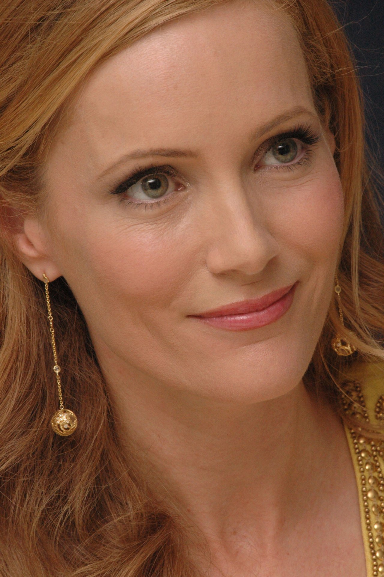 hollywood actress hot hits photos leslie mann
