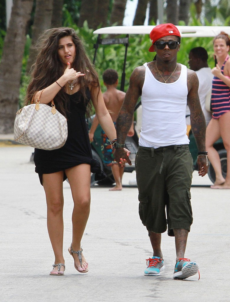 who is lil waynes dating
