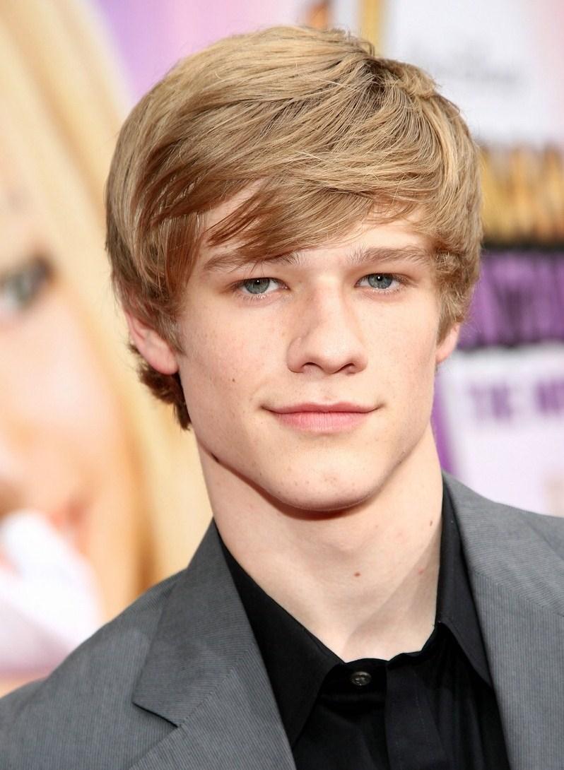 MacGyver Cast: Lucas Till