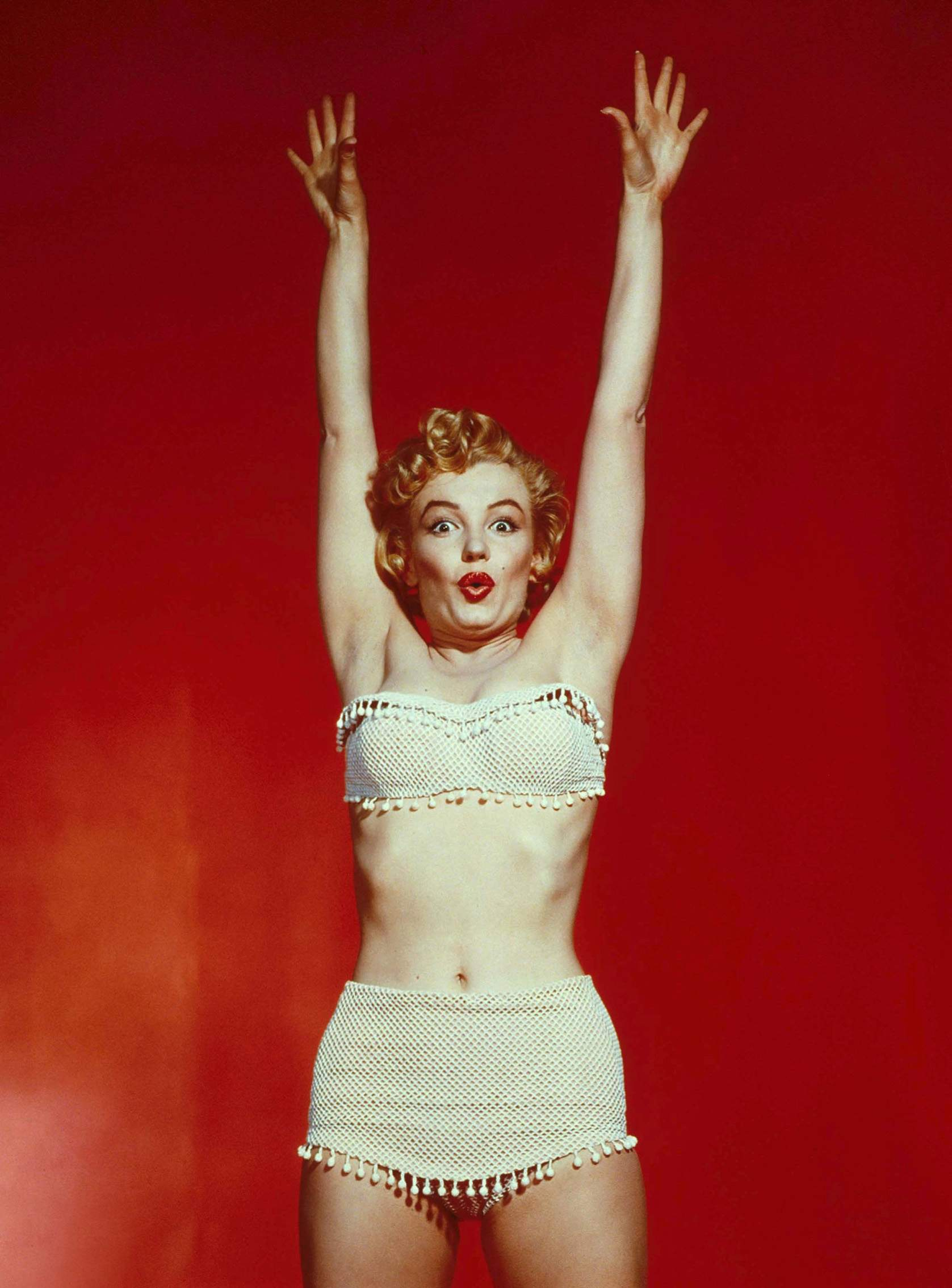 Marilyn in a white fringe two-piece swimsuit. | ´)(` .¸Marilyn ...