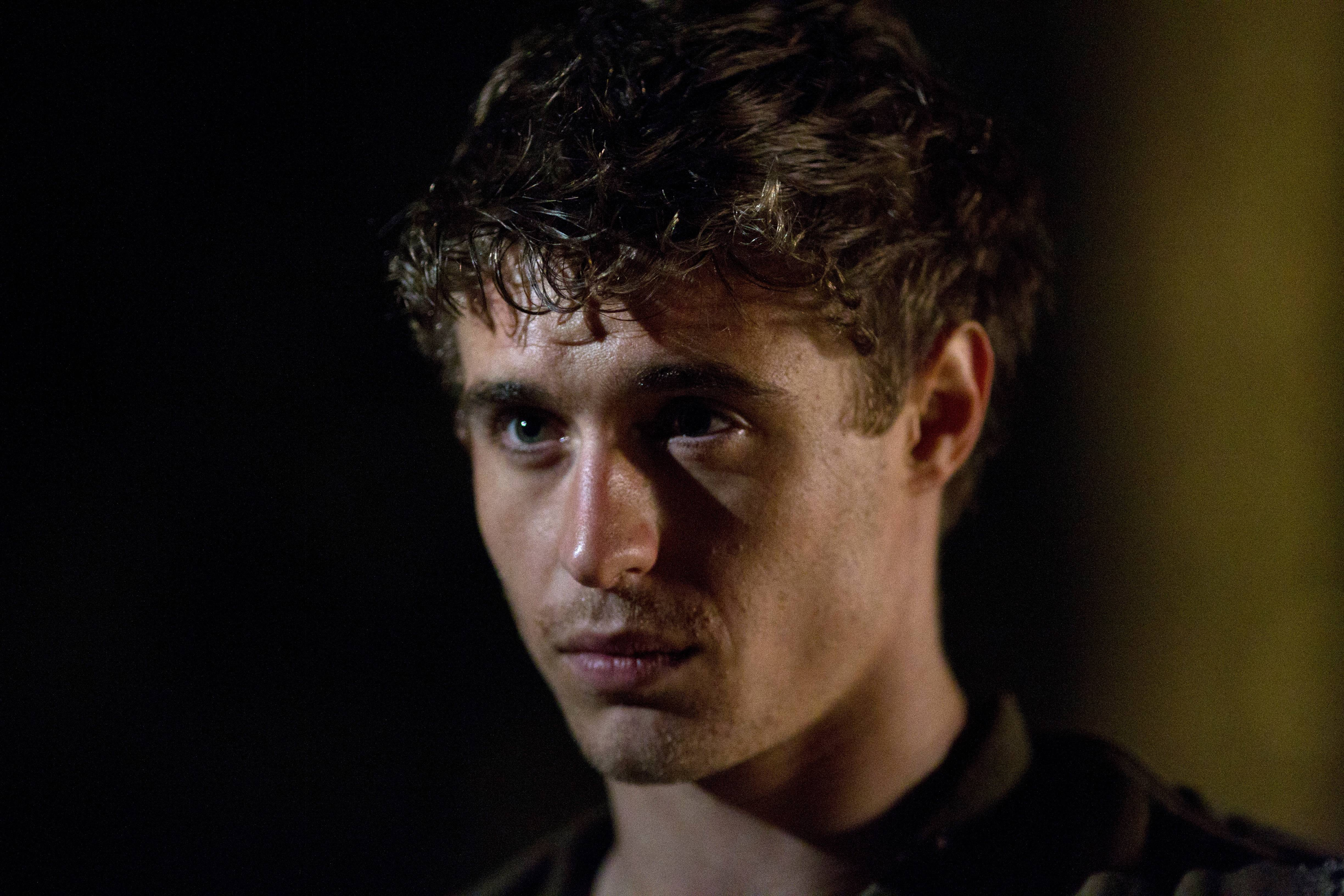 Max Irons photo, pics, wallpaper - photo #