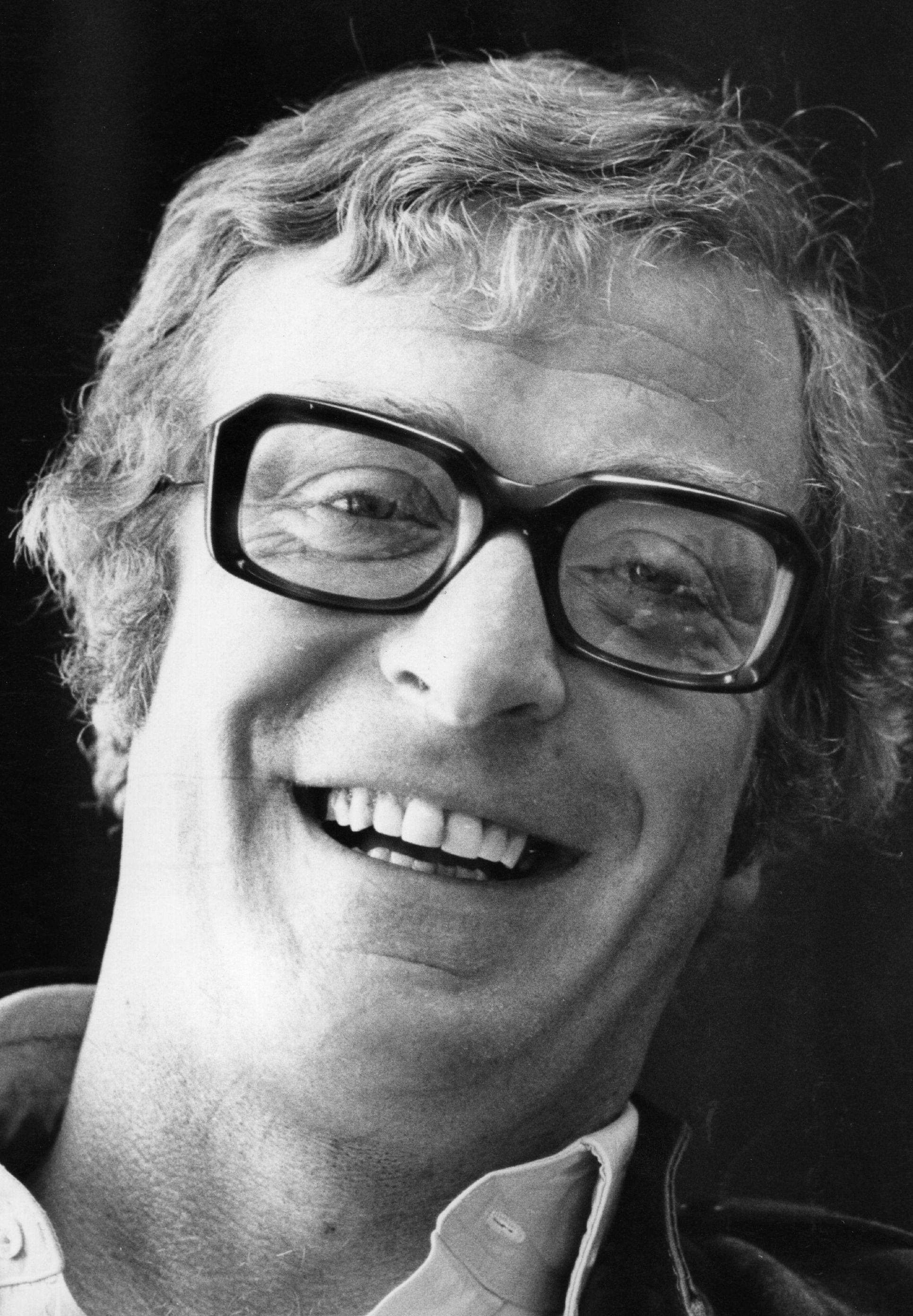 Michael Caine - Wallpaper Gallery