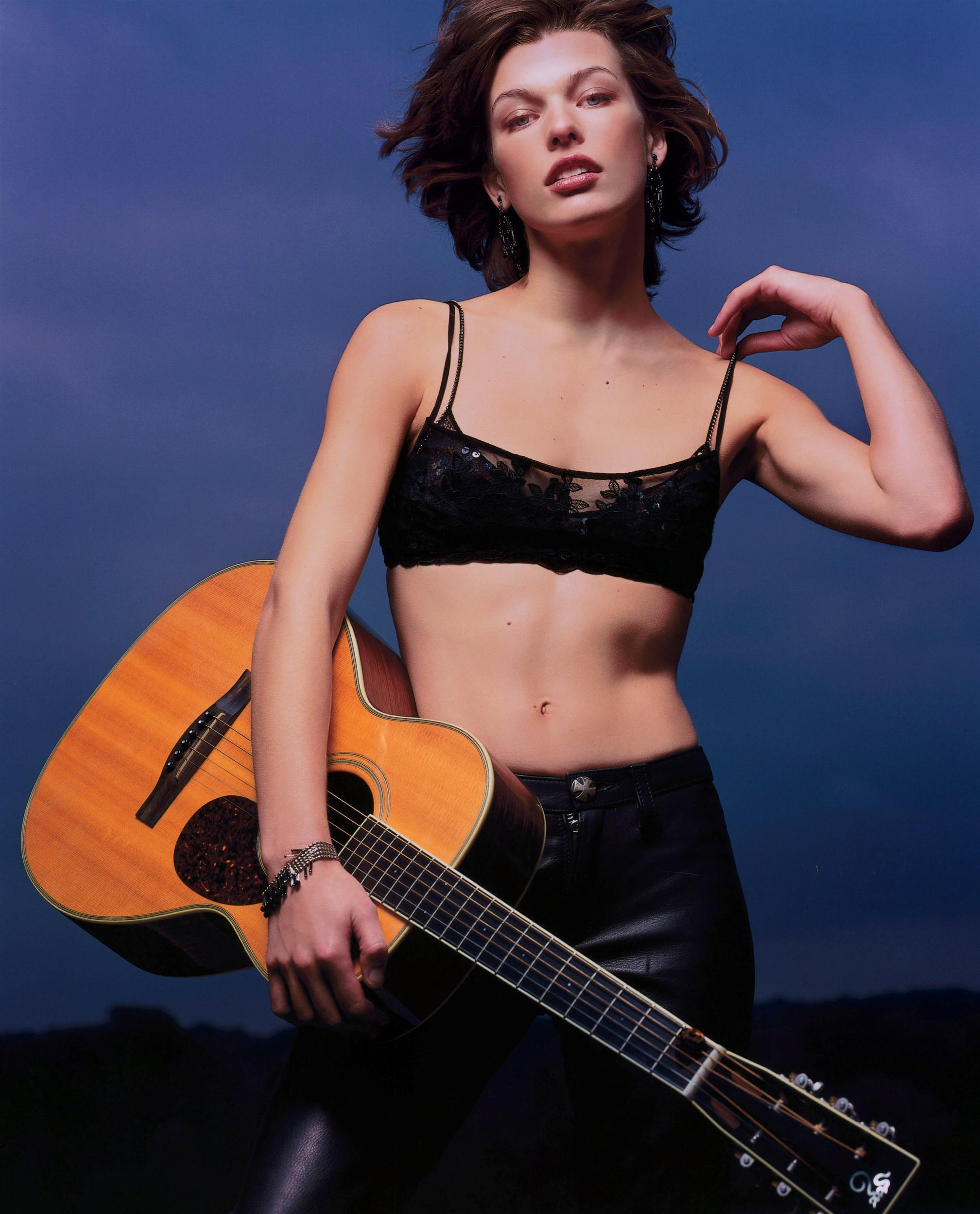 celebrity photos milla jovovich milla jovovich photo 171 3 vote Milla Jovovich