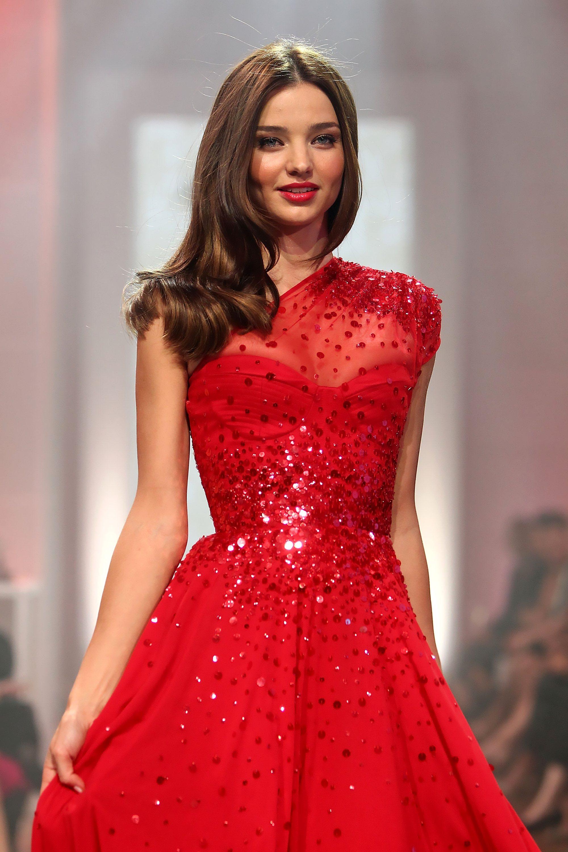 Фото красивых моделей в платьях