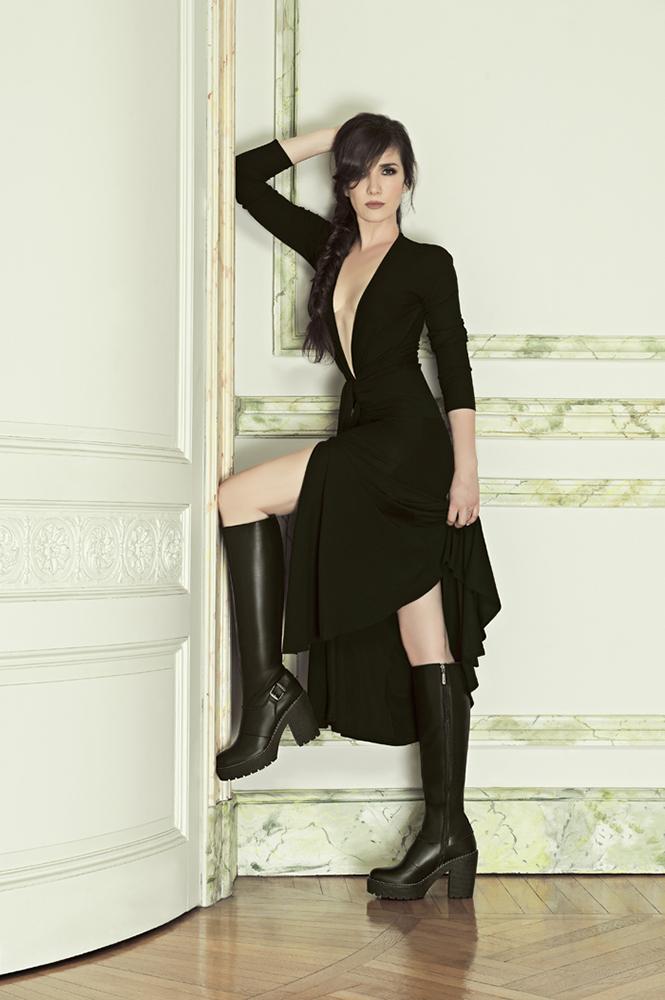 Natalia Oreiro photo g...