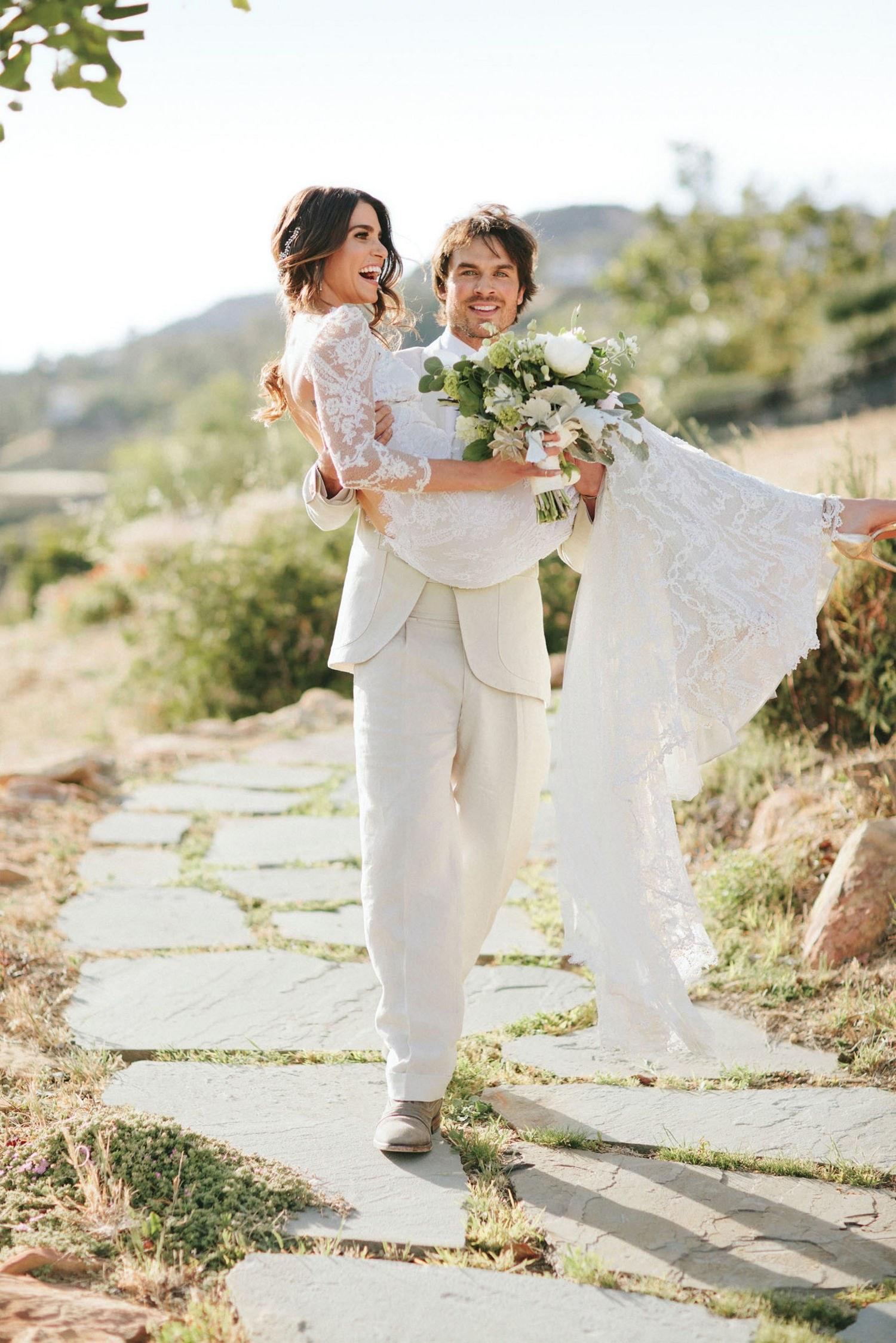 Никки рид в свадебном платье