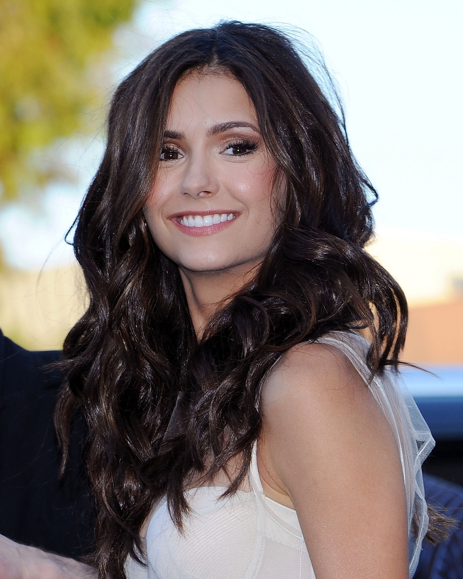 Nina Dobrev Wallpaper: Nina Dobrev Photo 2037 Of 4195 Pics, Wallpaper