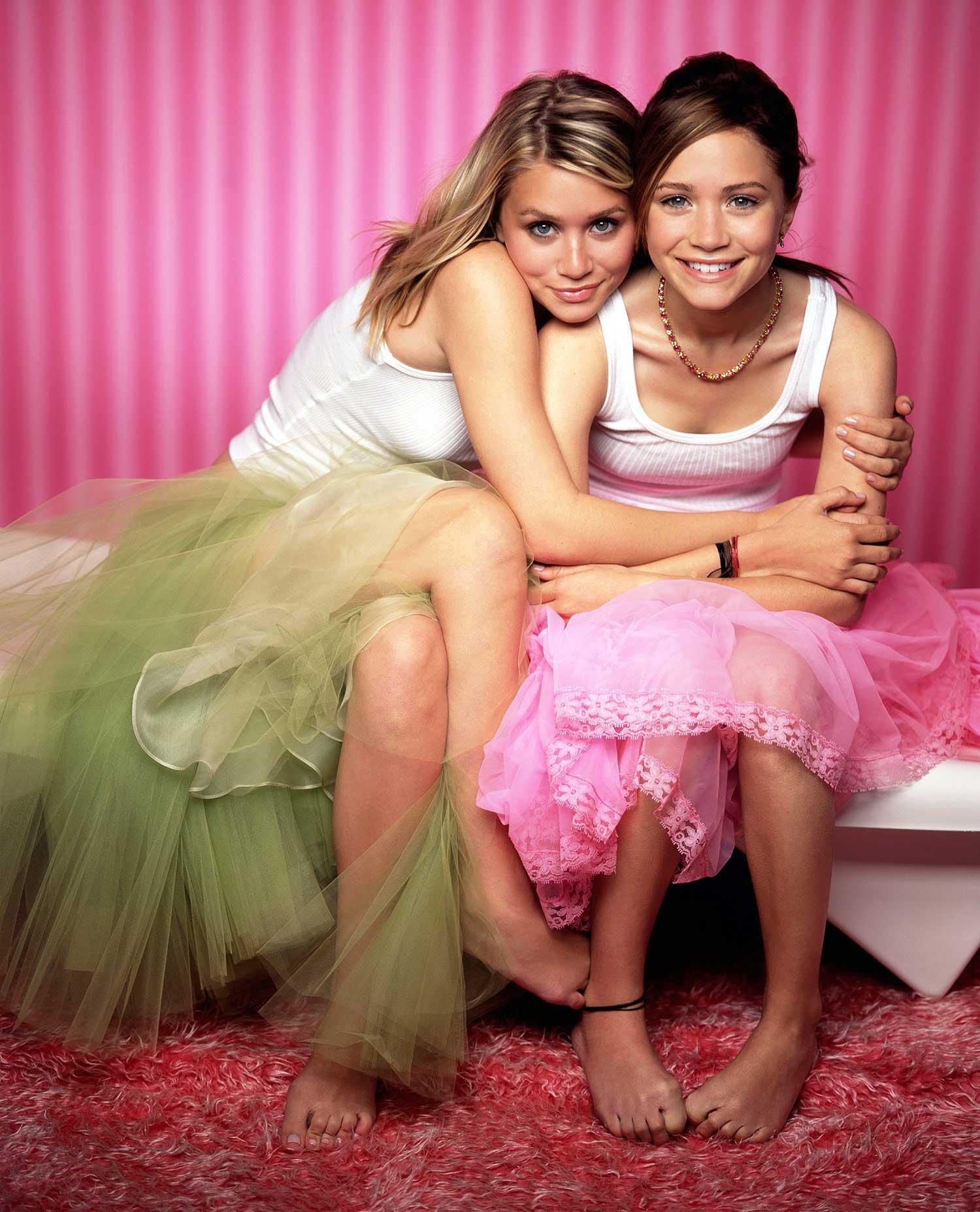 Смотреть порно онлайн с двумя девочками 12 фотография