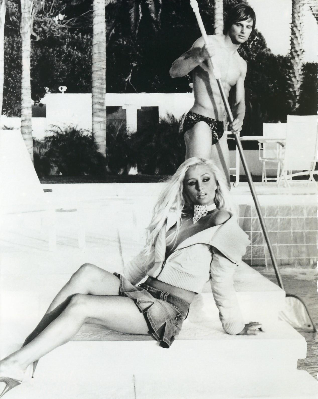 Чистильщик бассейнов и хозяйка 17 фотография