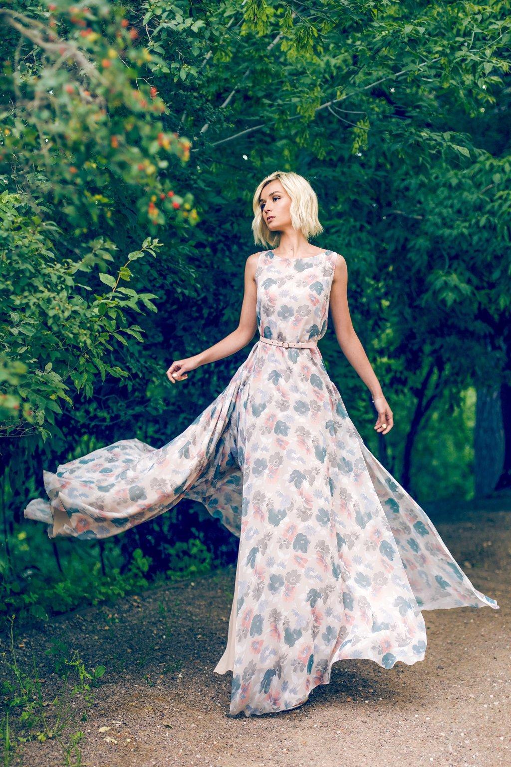 Полина гагарина платья