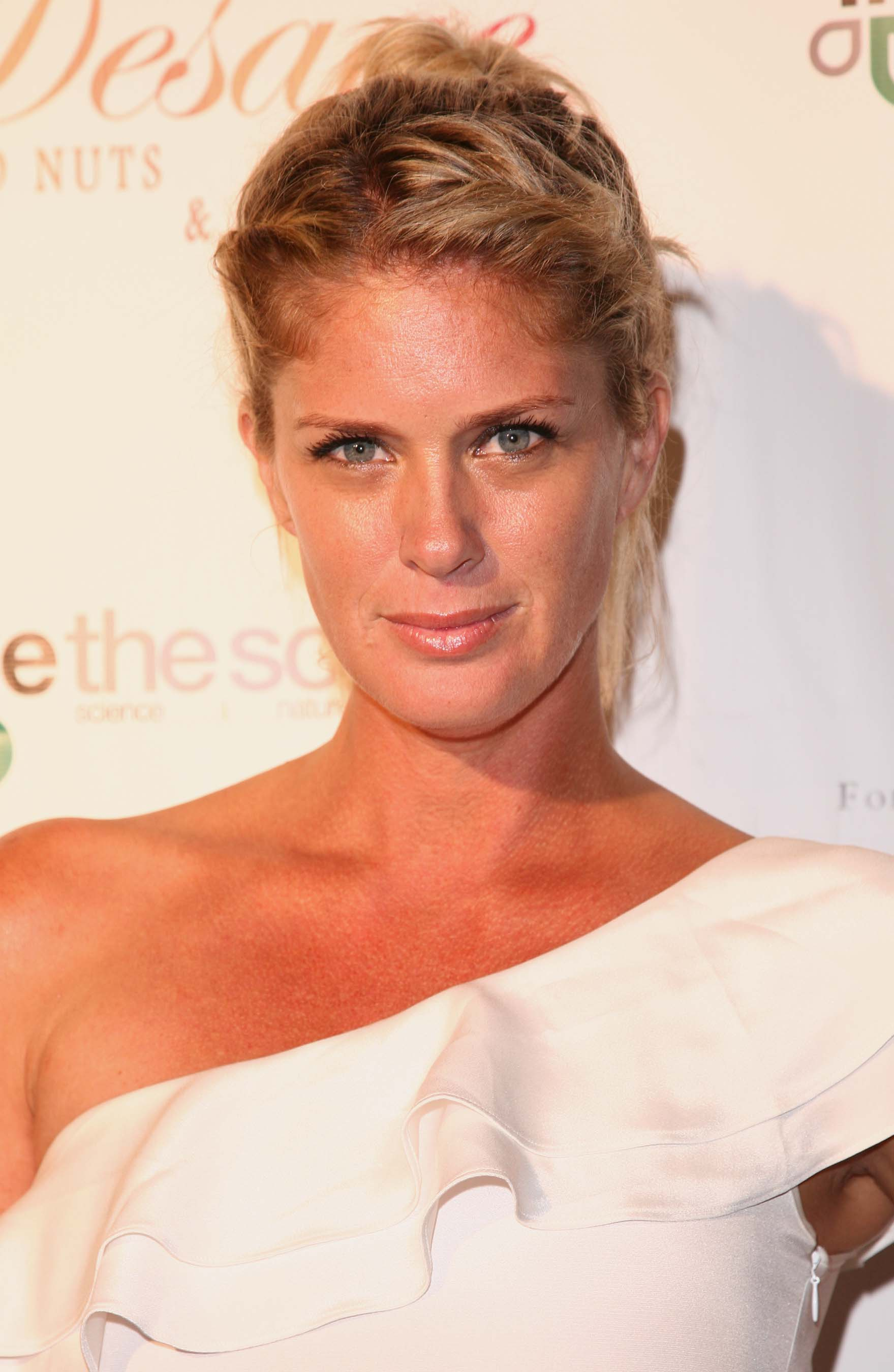 celebrity photos rachel hunter rachel hunter photo 15 0 vote Rachel