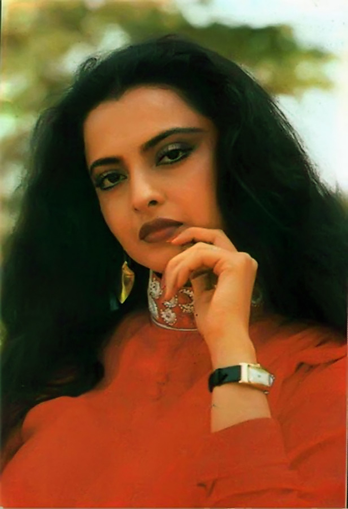 Rekha Photo Gallery High Quality Pics Of Rekha Theplace