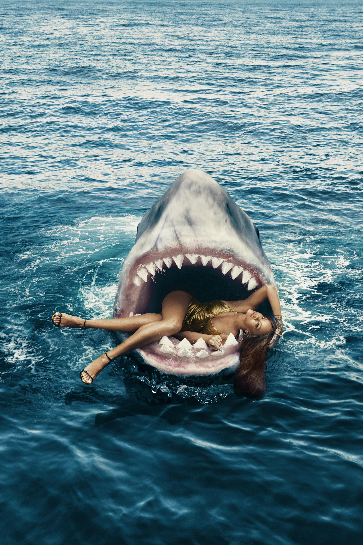Секс женщин с акулами 3 фотография