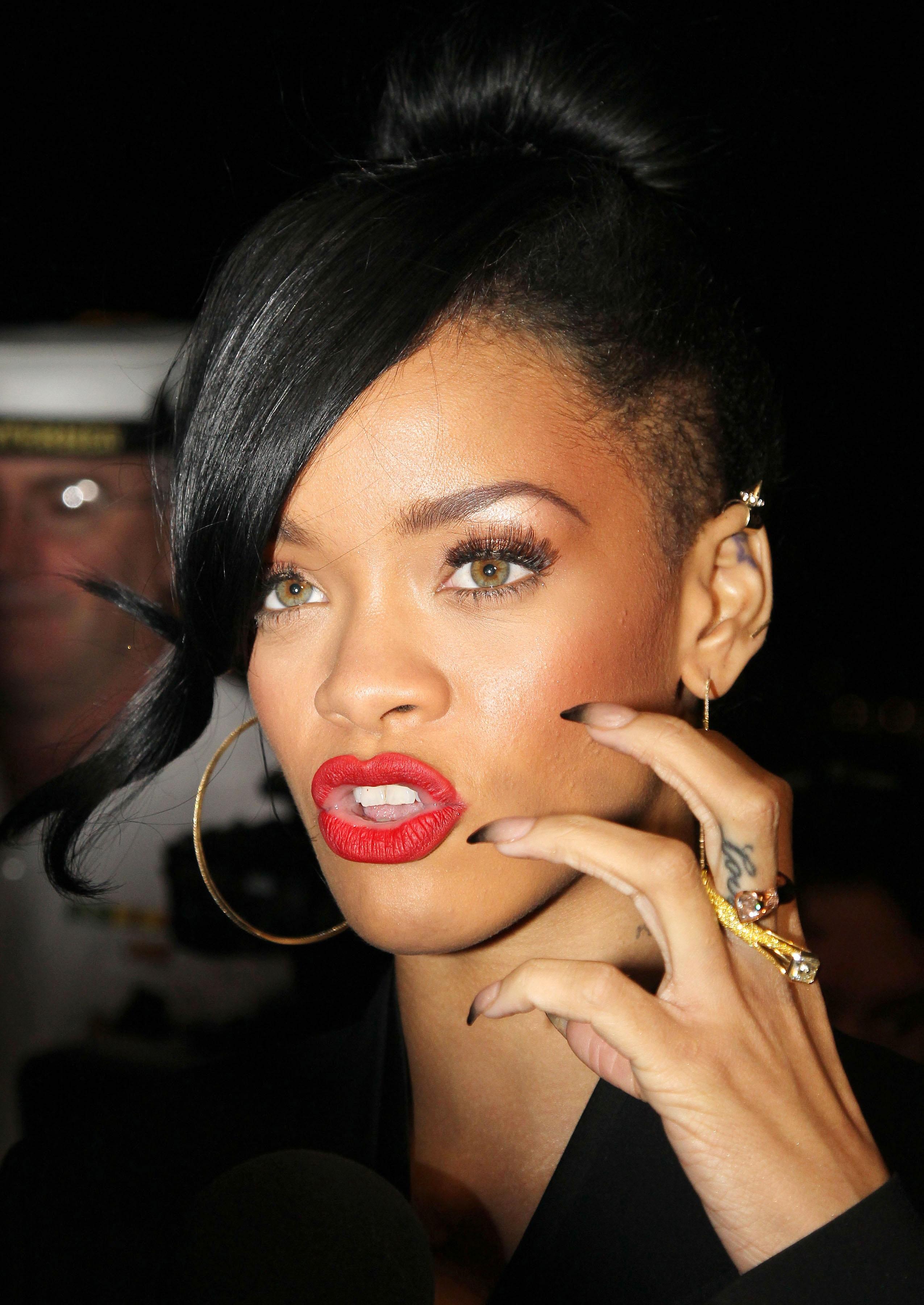 Rihanna stiletto nails tumblr